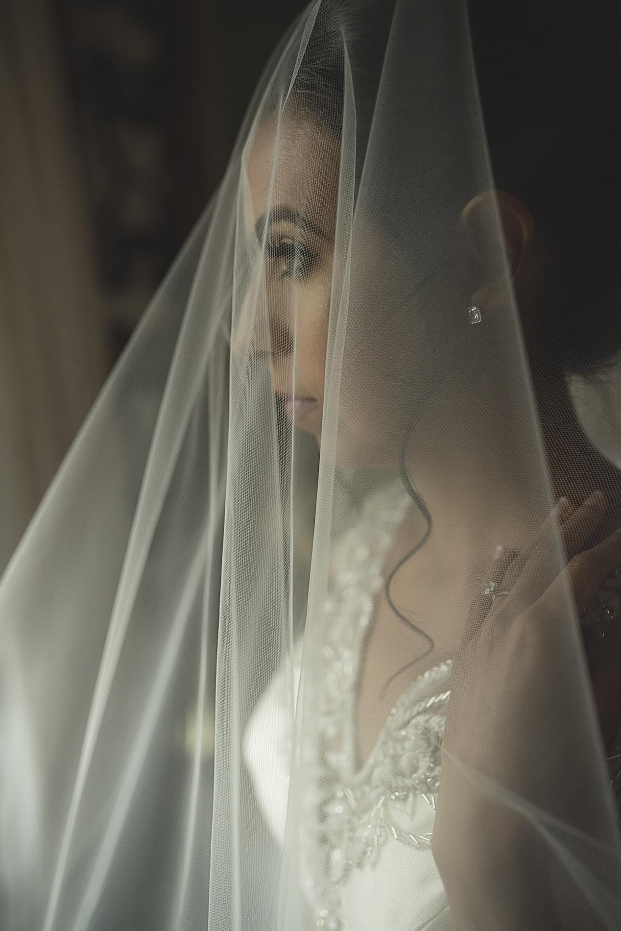 Houston-venue-Olde-Dobbin-Station-Romantic-Classic-Wedding-Photographer-048.jpg