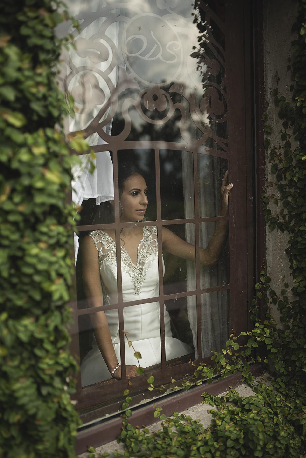 Houston-venue-Olde-Dobbin-Station-Romantic-Classic-Wedding-Photographer-053.jpg
