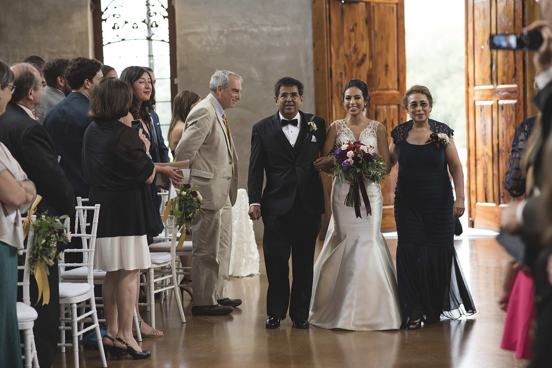 Houston-venue-Olde-Dobbin-Station-Romantic-Classic-Wedding-Photographer-058.jpg