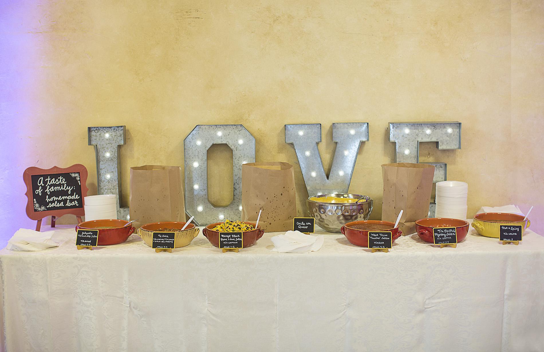 Houston-venue-Olde-Dobbin-Station-Romantic-Classic-Wedding-Photographer-067.jpg