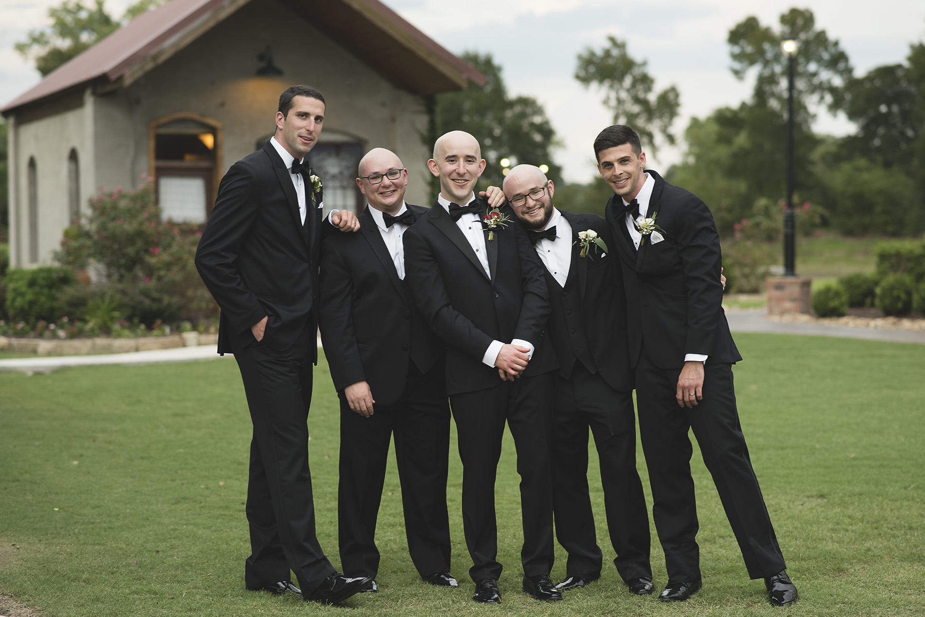Houston-venue-Olde-Dobbin-Station-Romantic-Classic-Wedding-Photographer-083.jpg