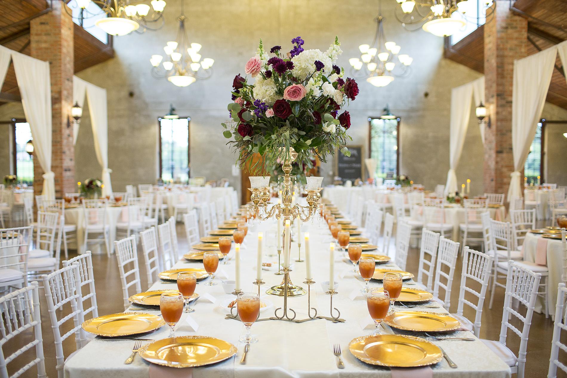 Houston-venue-Olde-Dobbin-Station-Romantic-Classic-Wedding-Photographer-084.jpg
