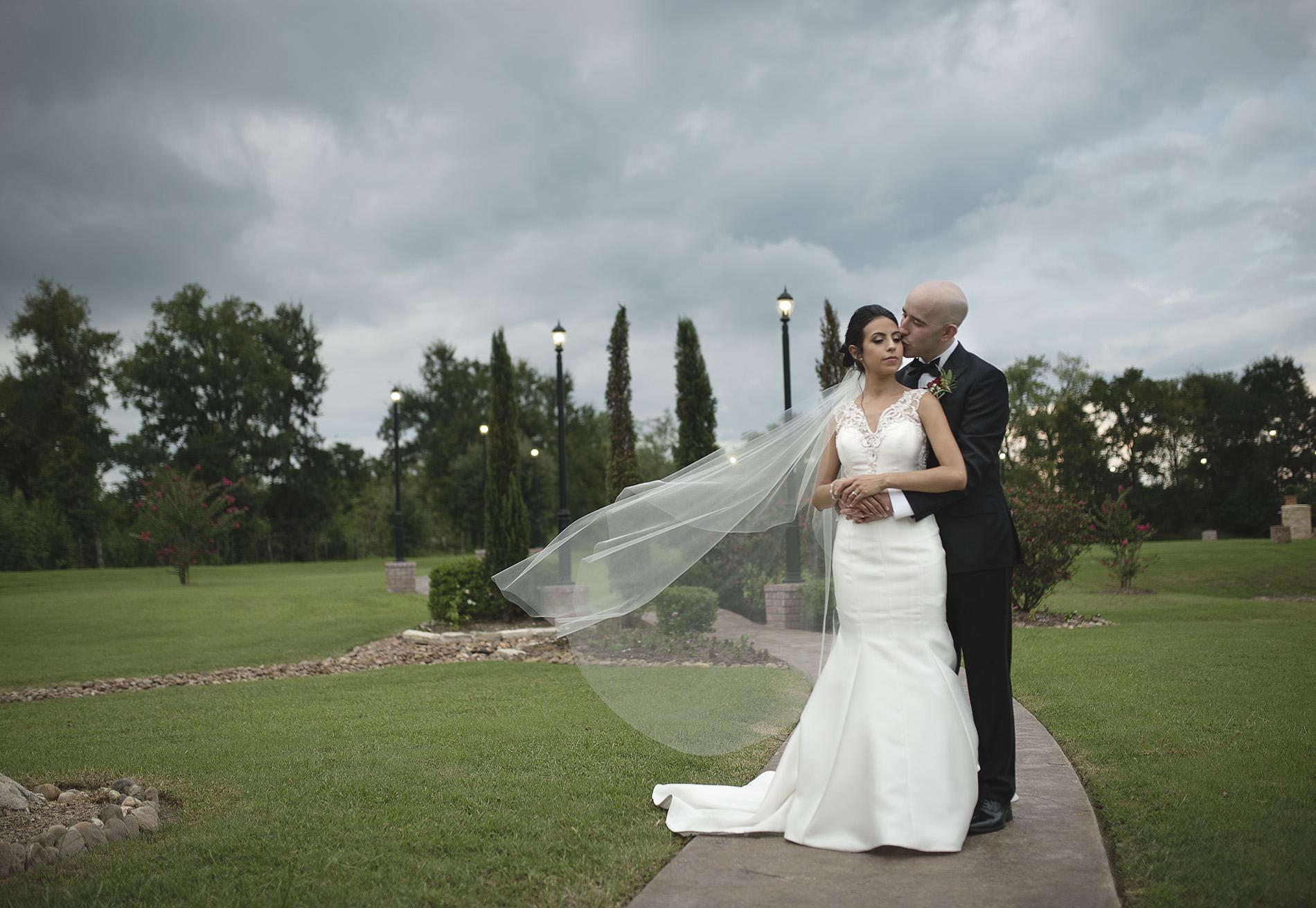 Houston-venue-Olde-Dobbin-Station-Romantic-Classic-Wedding-Photographer-088.jpg
