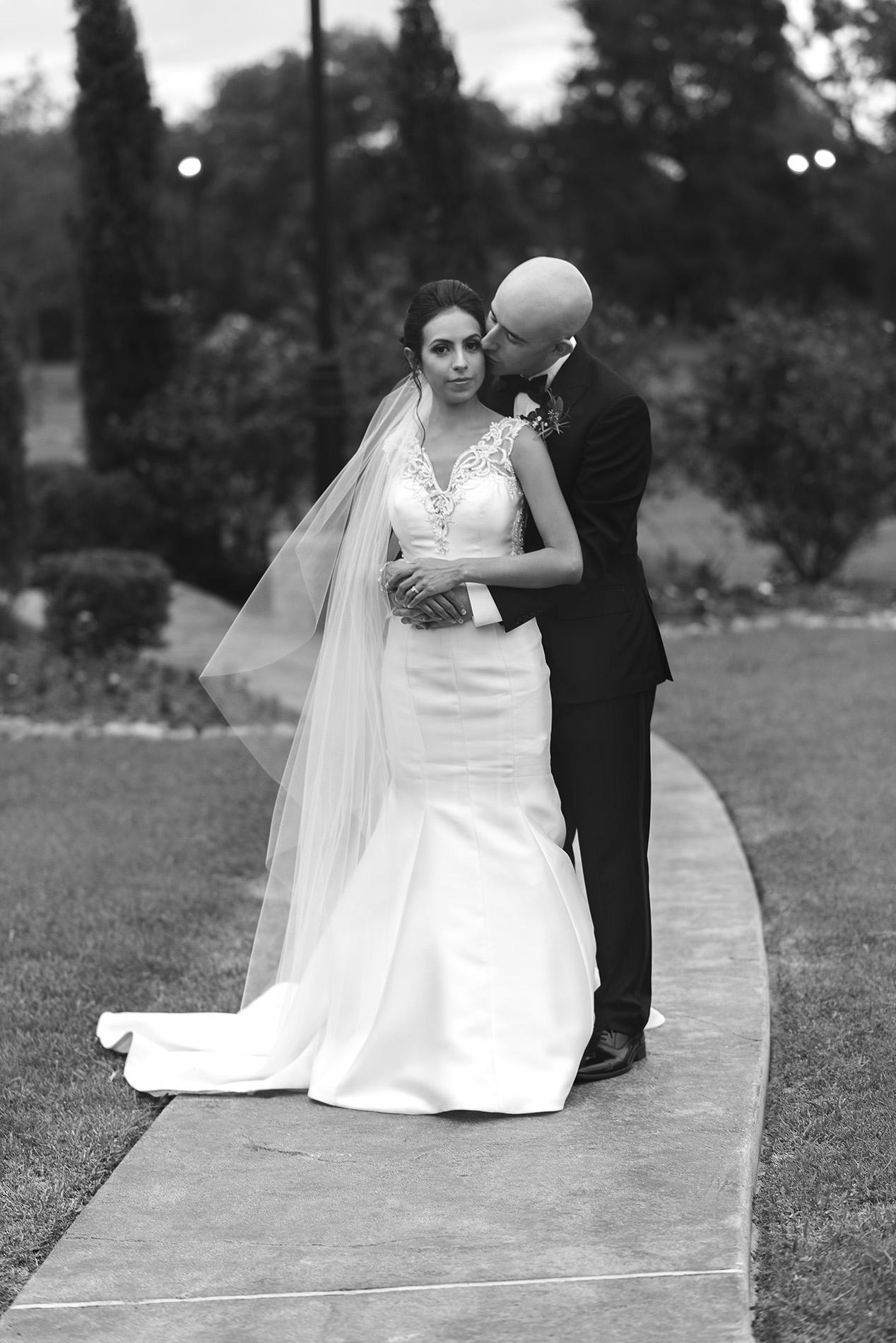 Houston-venue-Olde-Dobbin-Station-Romantic-Classic-Wedding-Photographer-089.jpg