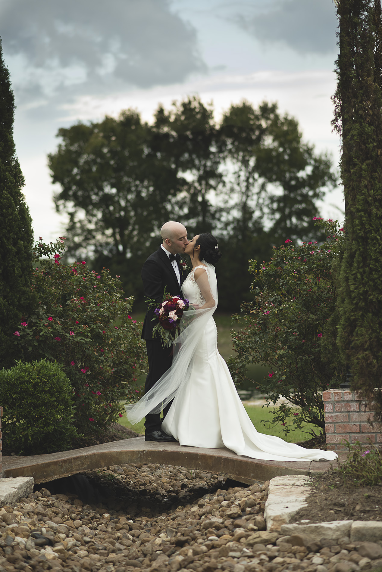 Houston-venue-Olde-Dobbin-Station-Romantic-Classic-Wedding-Photographer-090.jpg