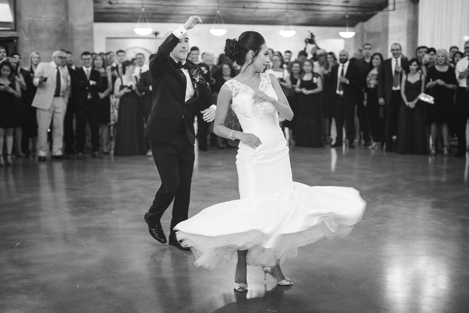 Houston-venue-Olde-Dobbin-Station-Romantic-Classic-Wedding-Photographer-093.jpg