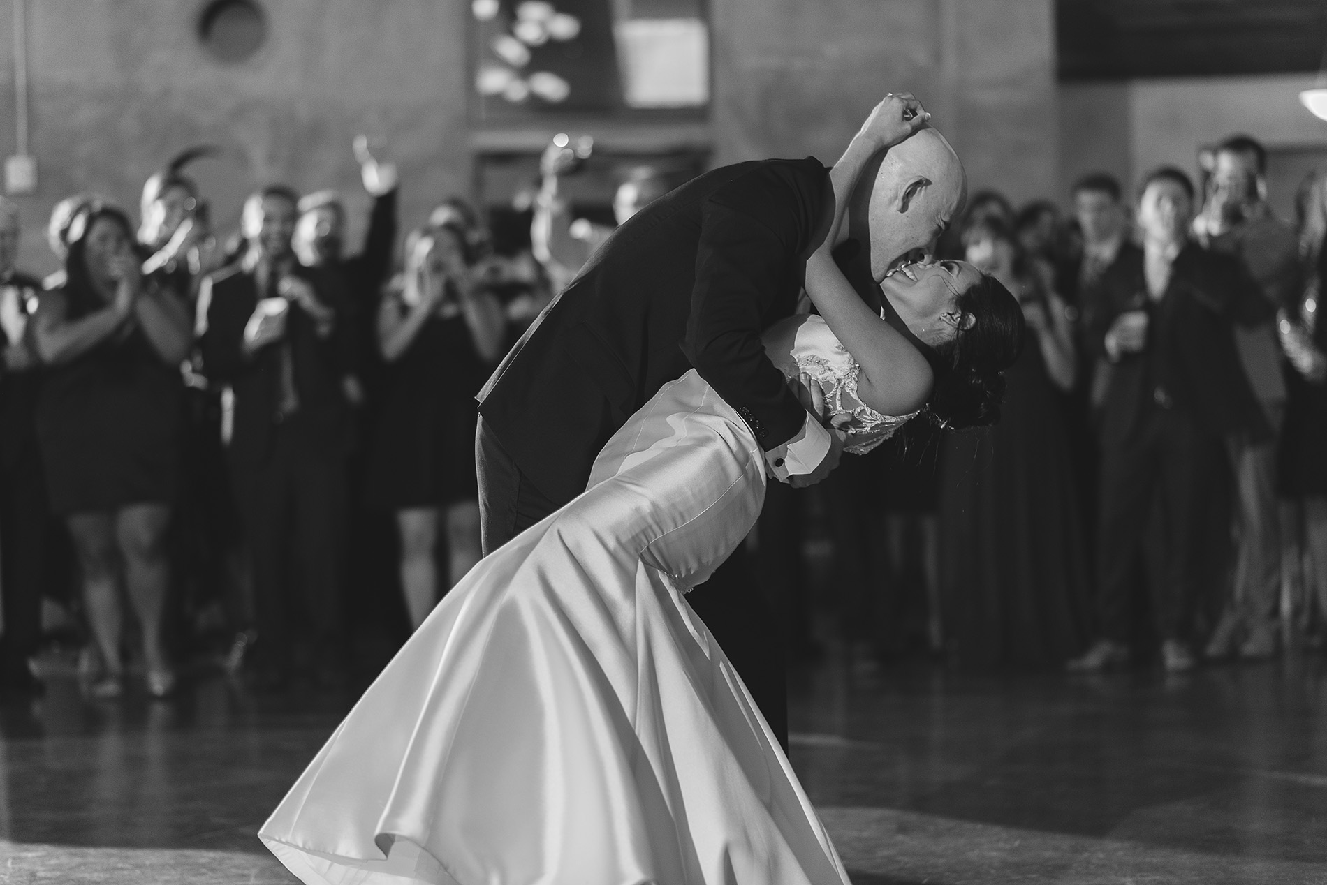 Houston-venue-Olde-Dobbin-Station-Romantic-Classic-Wedding-Photographer-095.jpg