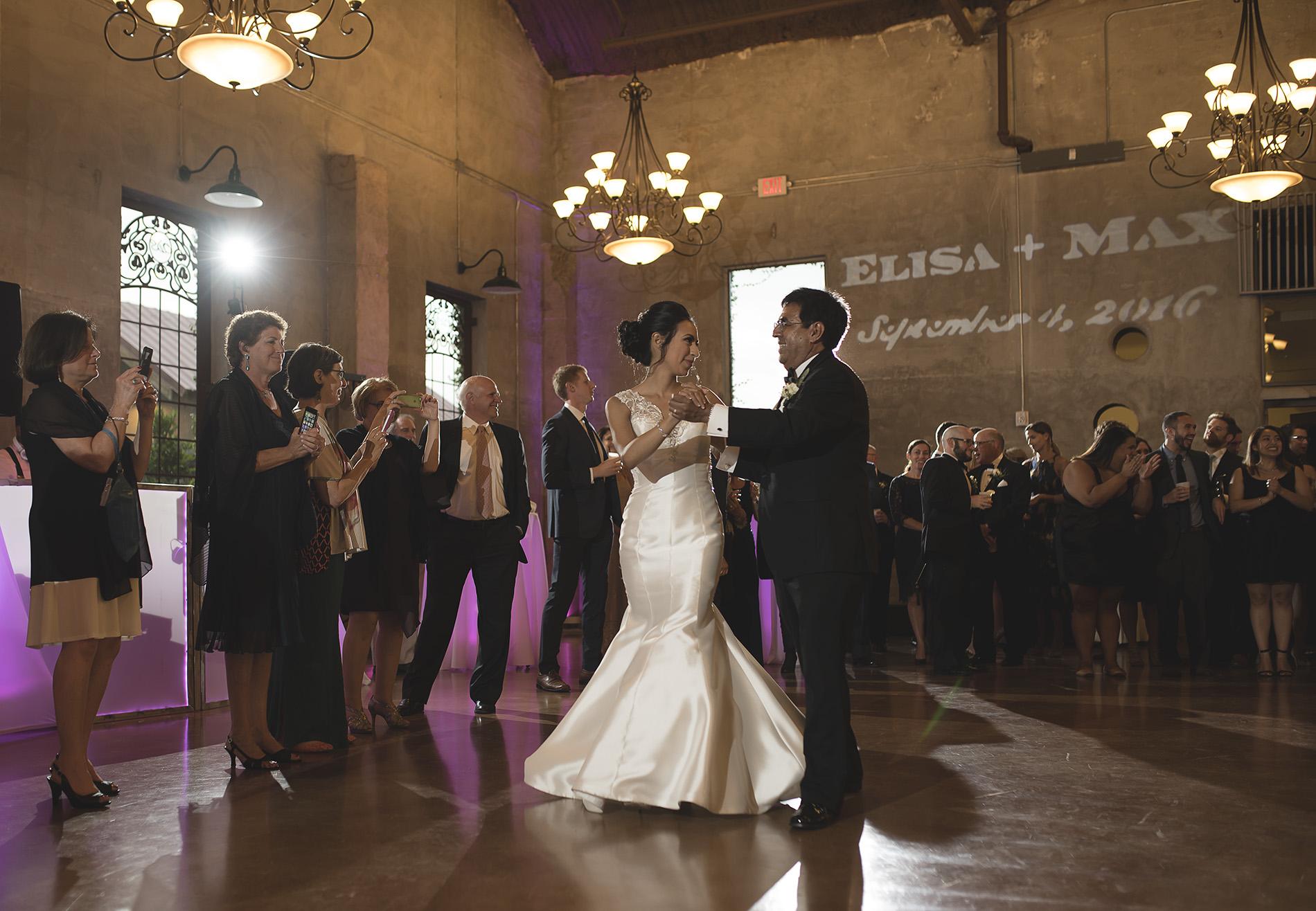 Houston-venue-Olde-Dobbin-Station-Romantic-Classic-Wedding-Photographer-097.jpg