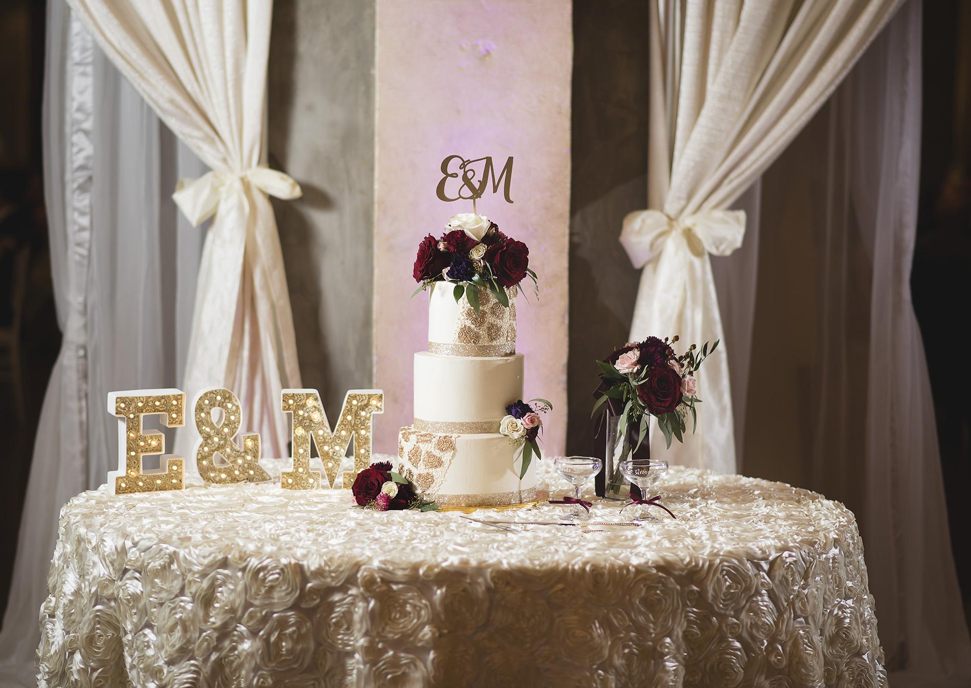 Houston-venue-Olde-Dobbin-Station-Romantic-Classic-Wedding-Photographer-102.jpg