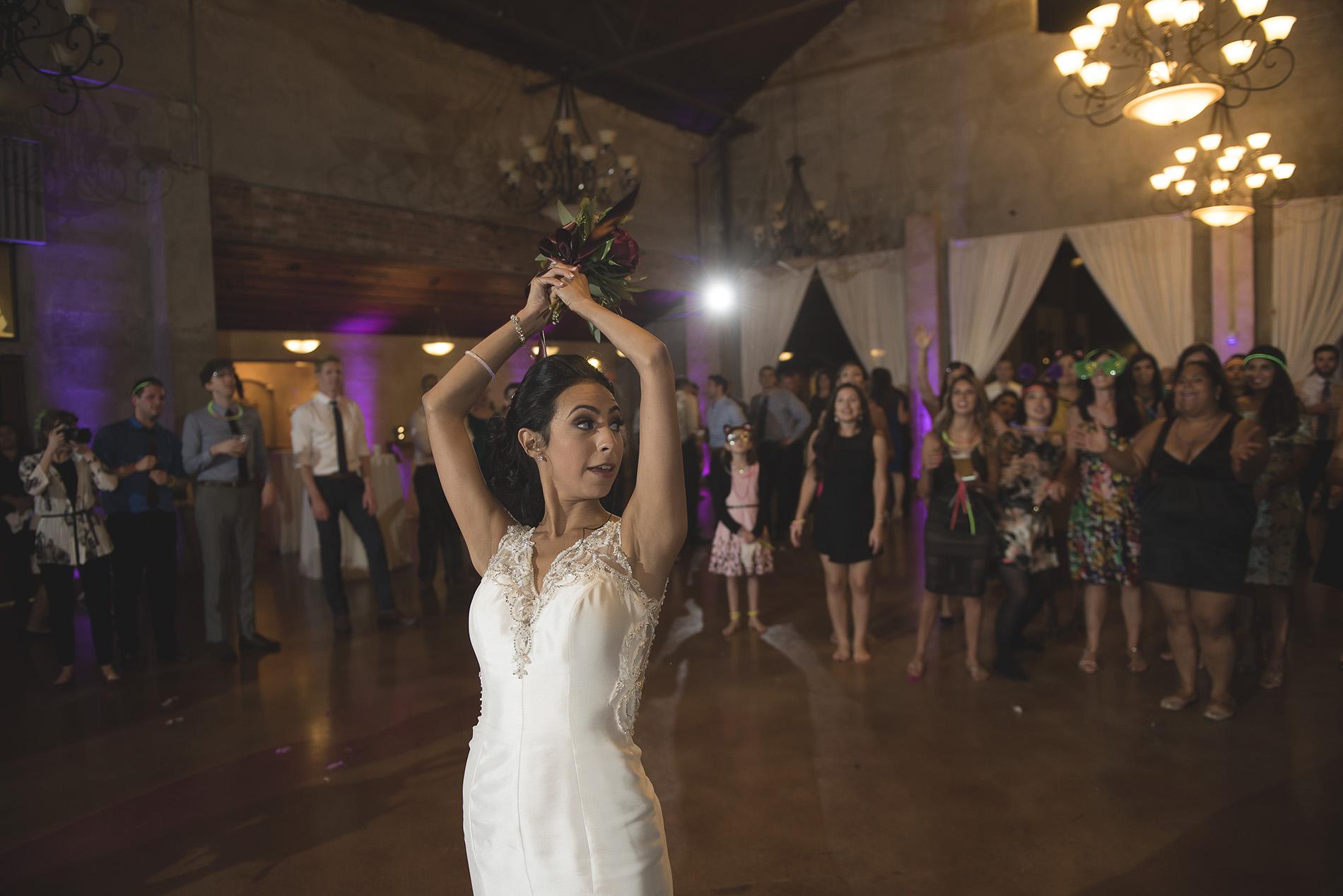 Houston-venue-Olde-Dobbin-Station-Romantic-Classic-Wedding-Photographer-114.jpg