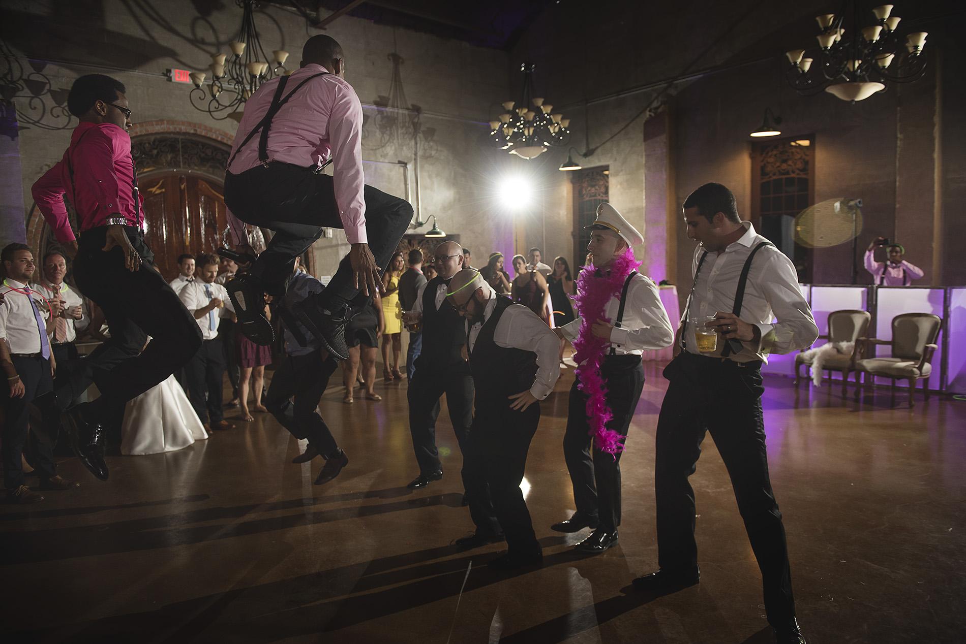 Houston-venue-Olde-Dobbin-Station-Romantic-Classic-Wedding-Photographer-116.jpg