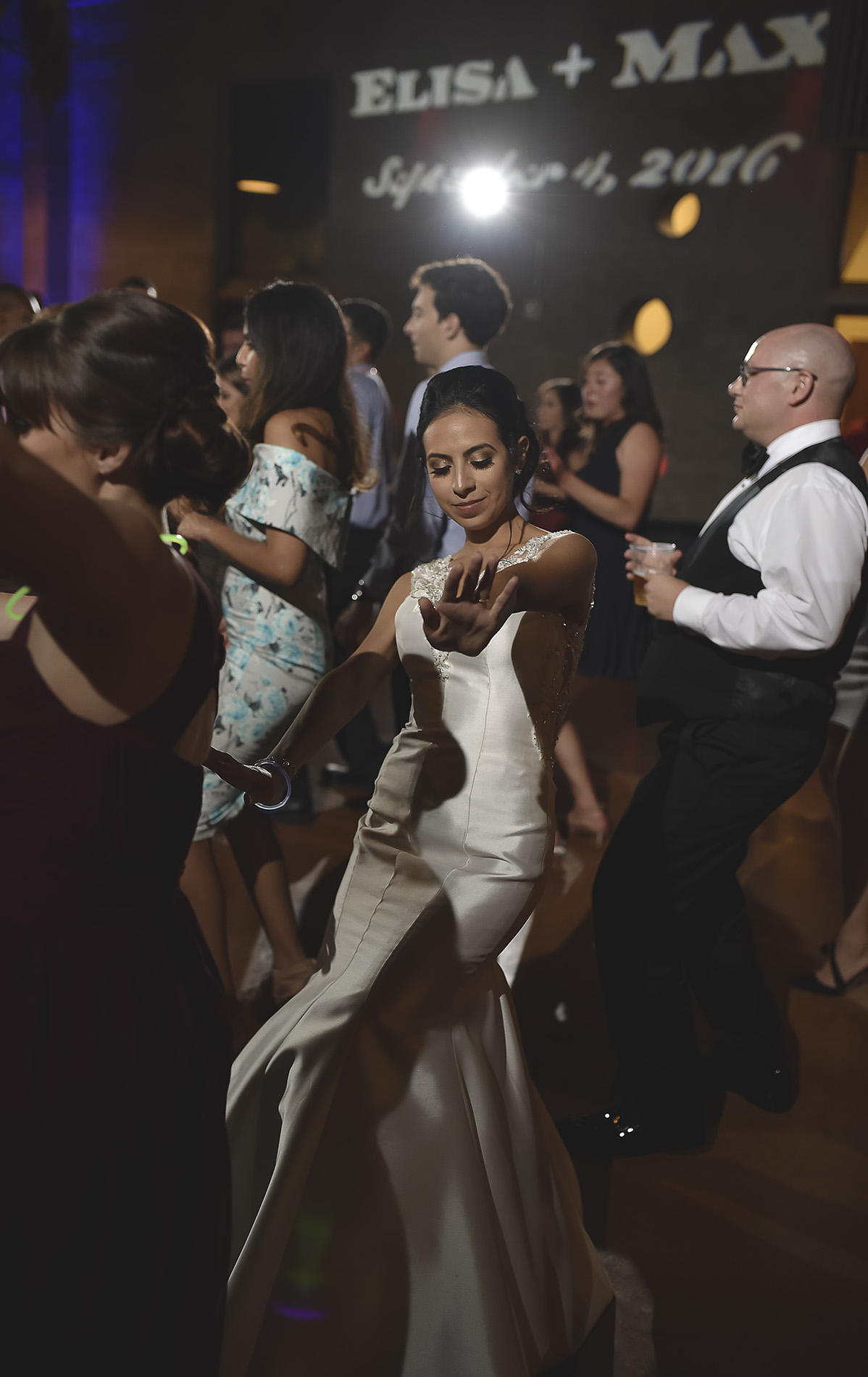 Houston-venue-Olde-Dobbin-Station-Romantic-Classic-Wedding-Photographer-118.jpg