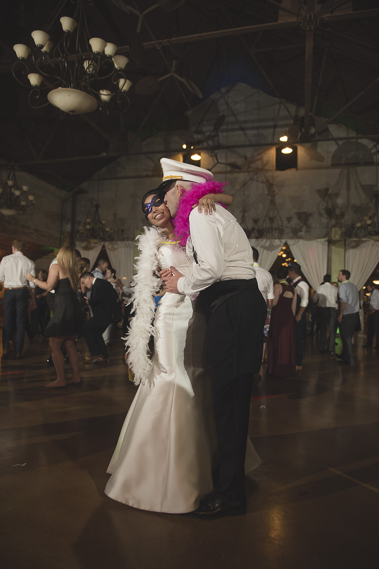 Houston-venue-Olde-Dobbin-Station-Romantic-Classic-Wedding-Photographer-121.jpg