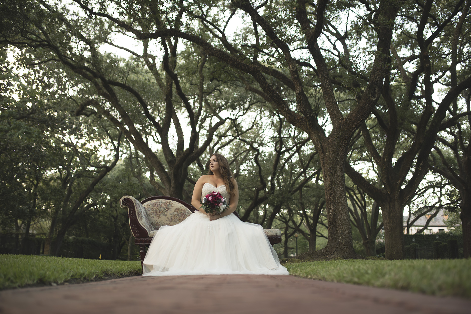 Boulevard-Oaks-fine-art-bridal-photography