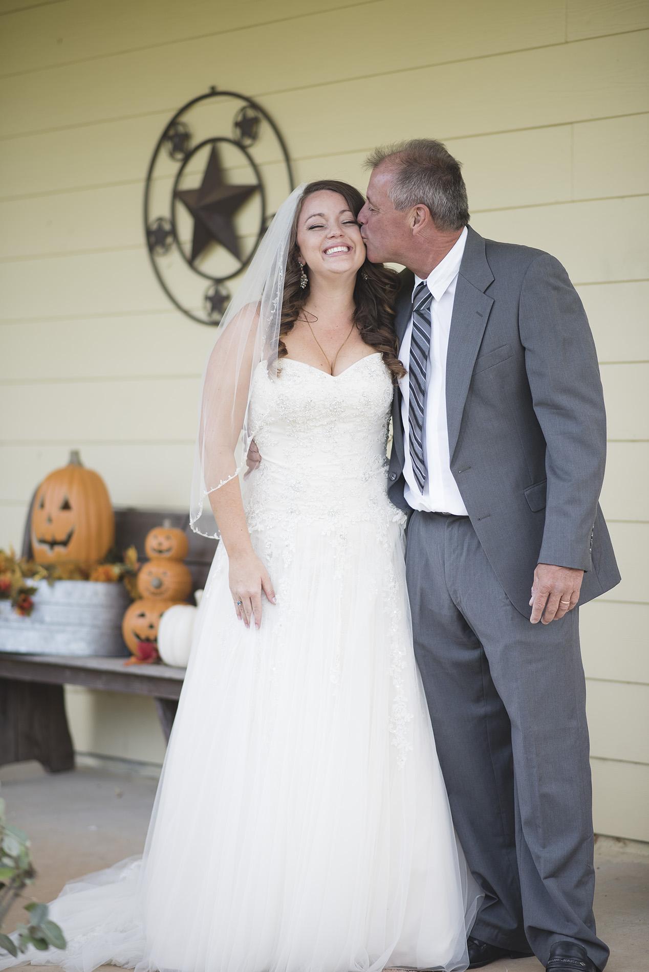 Montgomery-texas-artistic-lifestyle-wedding-photographer