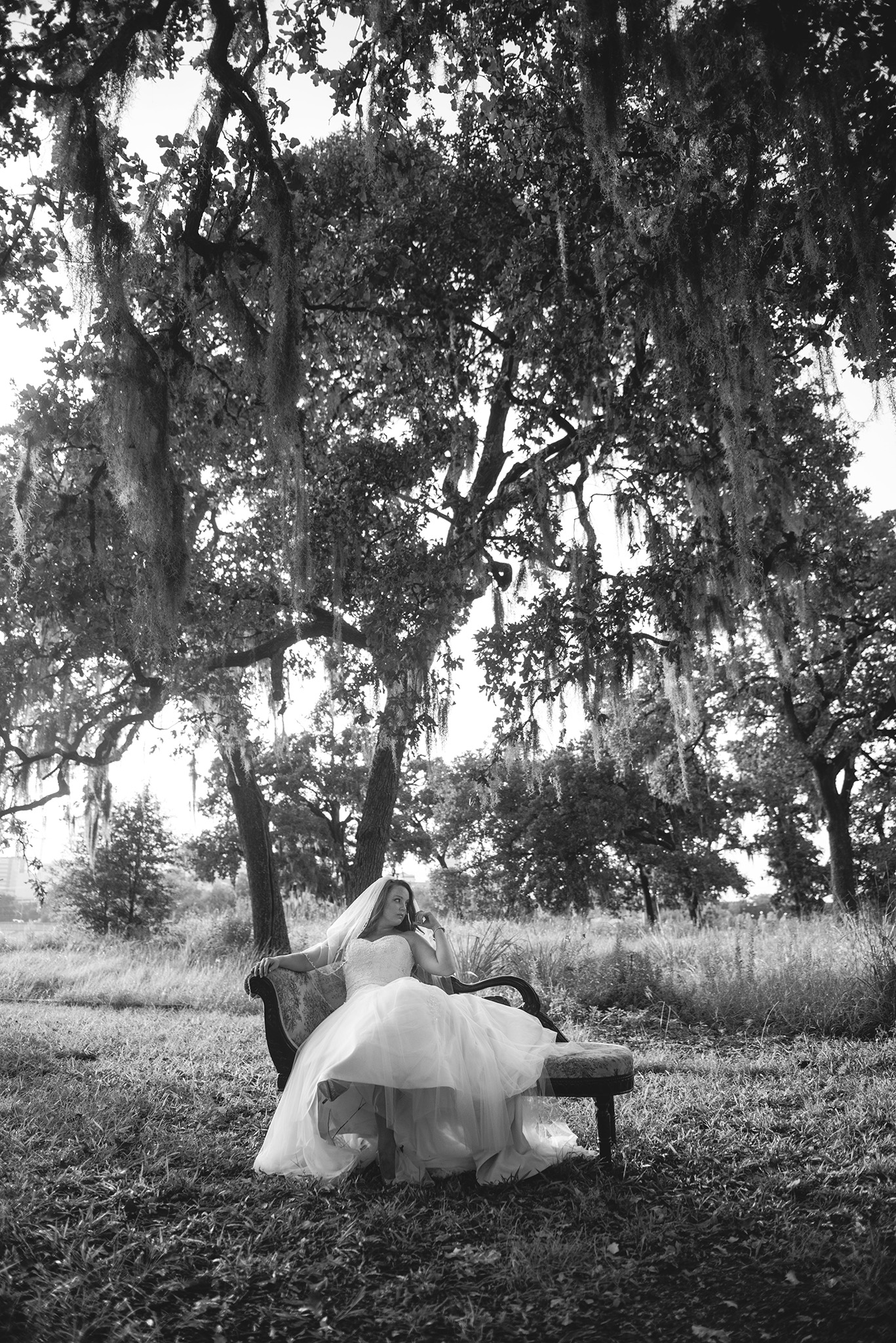 88-Boulevard-Oaks-Houston-Bridal-photo-session.jpg