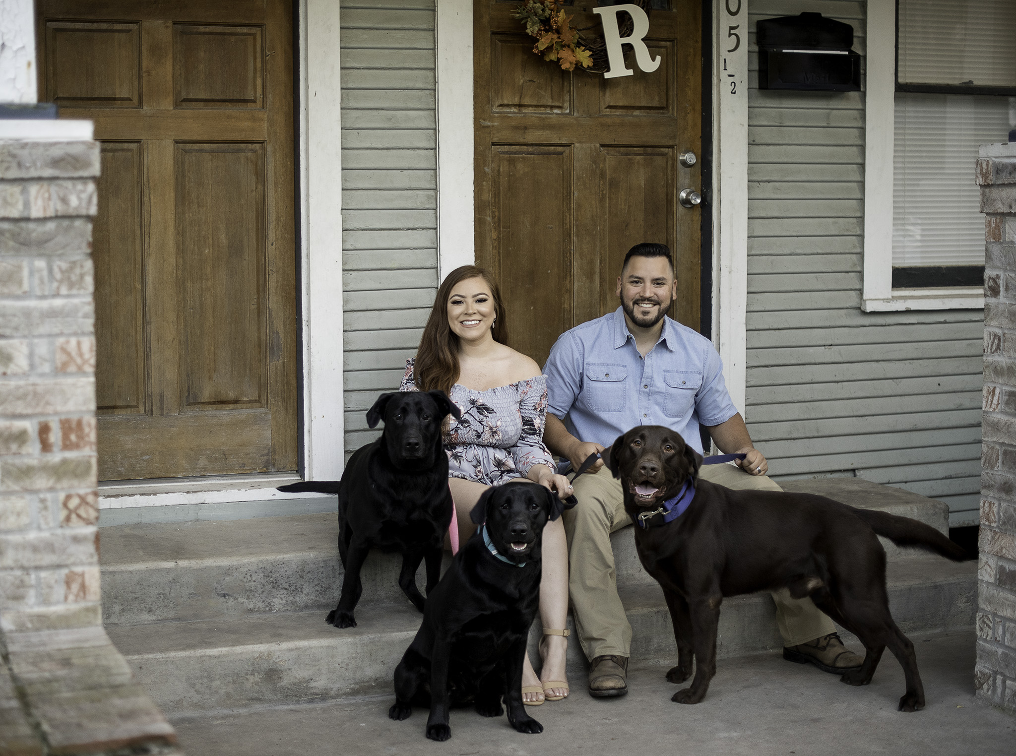 houston-engagement-coupe-photo-session-pets-black-labs
