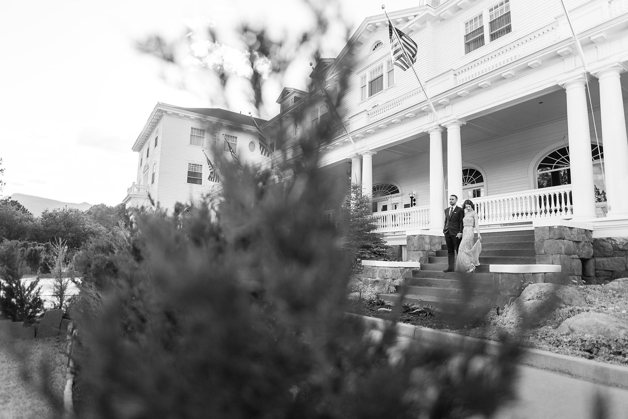 Stanley-hotel-estes-park-vintage-engagement-session-photographer