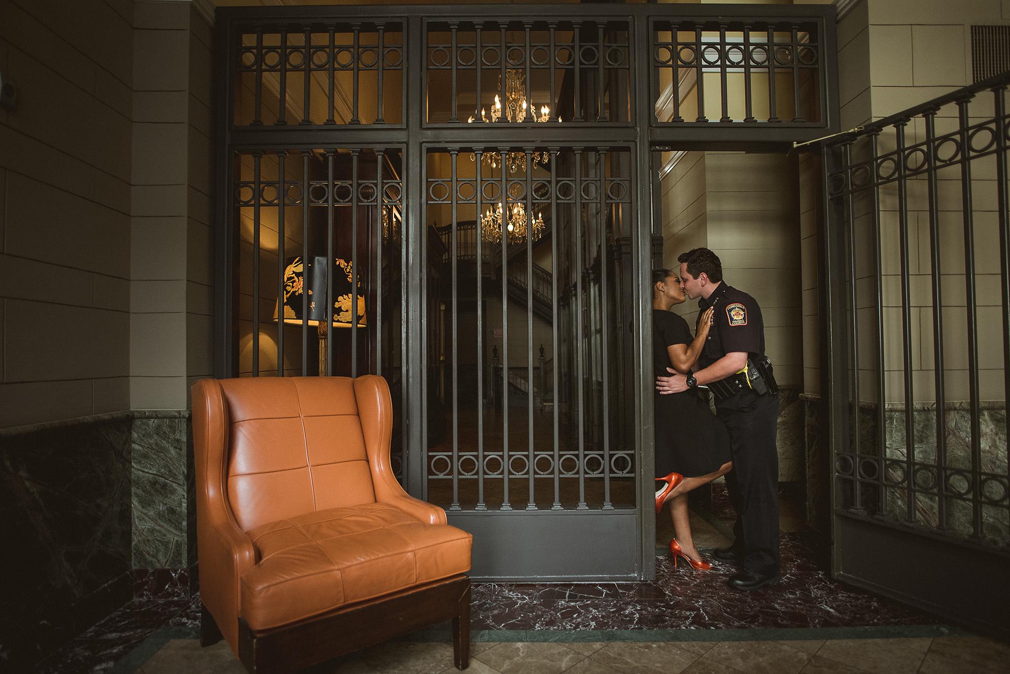 Houston-hotel-icon-engagement-session