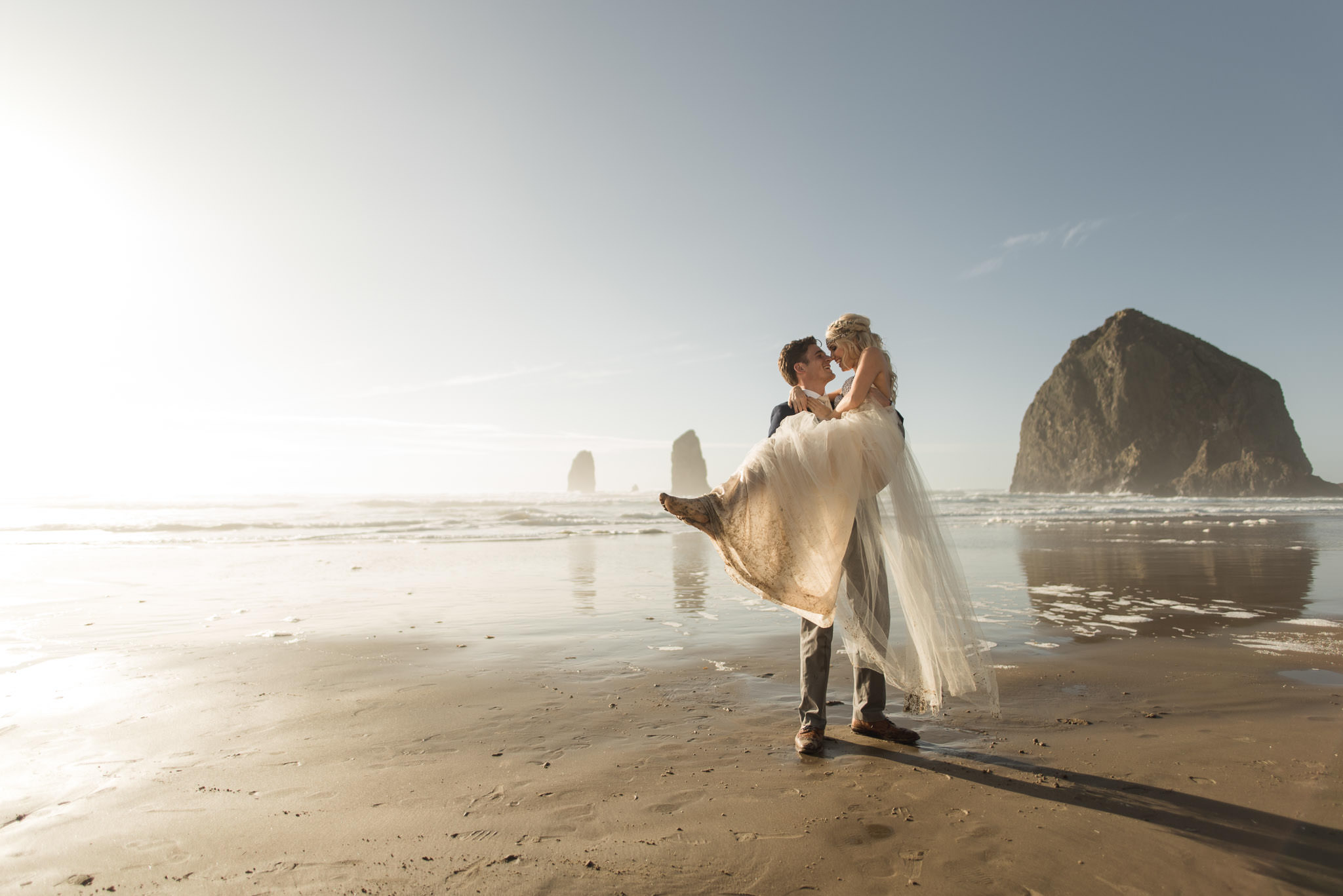 Cannon-Beach-Oregon-Adventure-elopement-engagement-photographer-haystack-rock-10