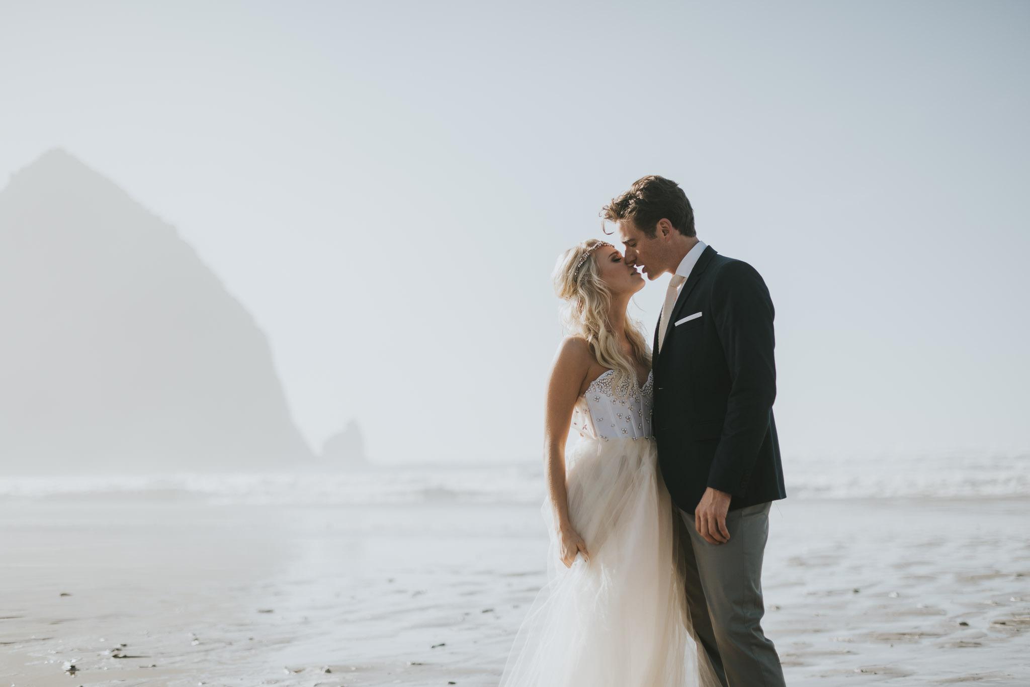 Cannon-Beach-Oregon-Adventure-elopement-engagement-photographer-haystack-rock-11