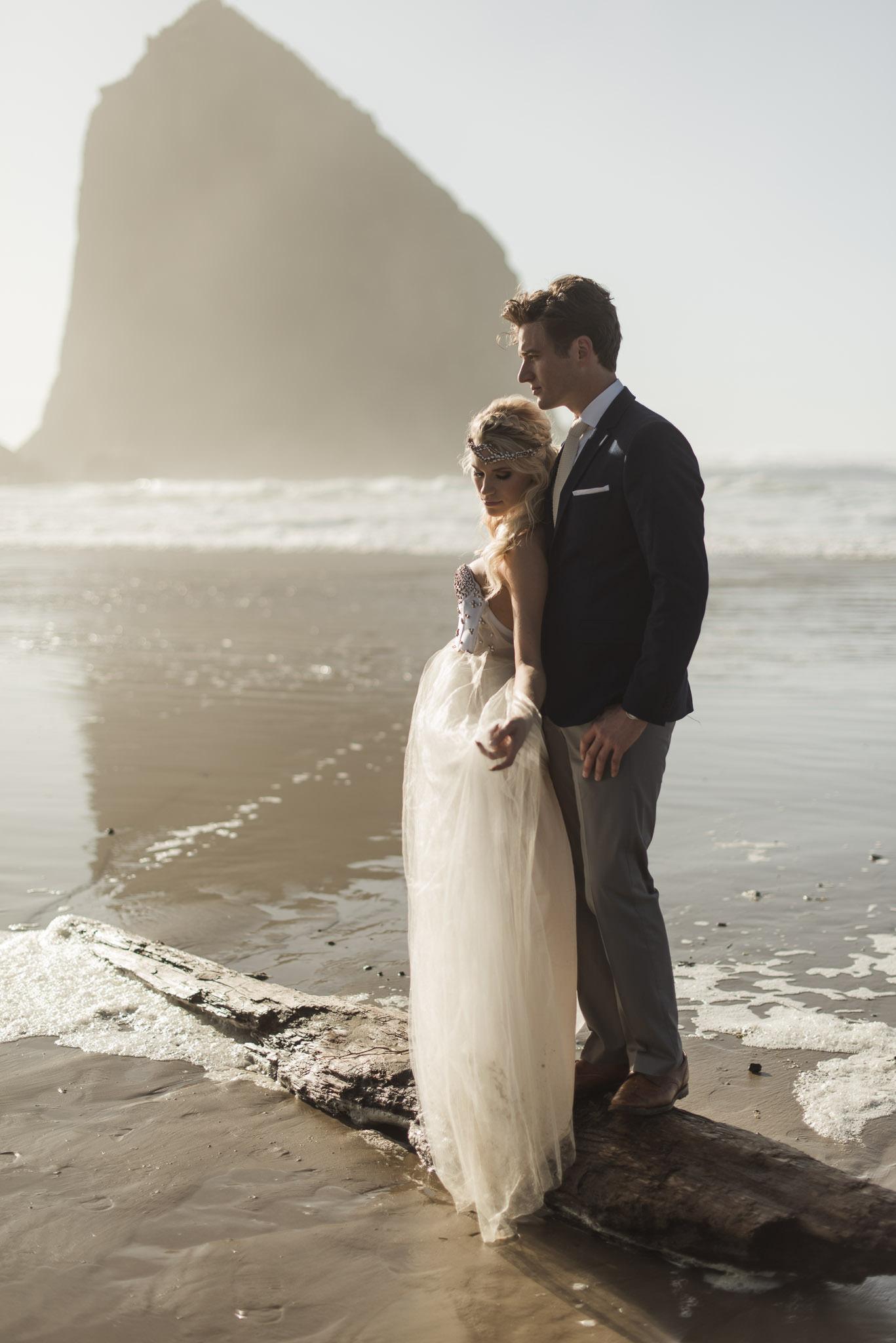 Cannon-Beach-Oregon-Adventure-elopement-engagement-photographer-haystack-rock-14