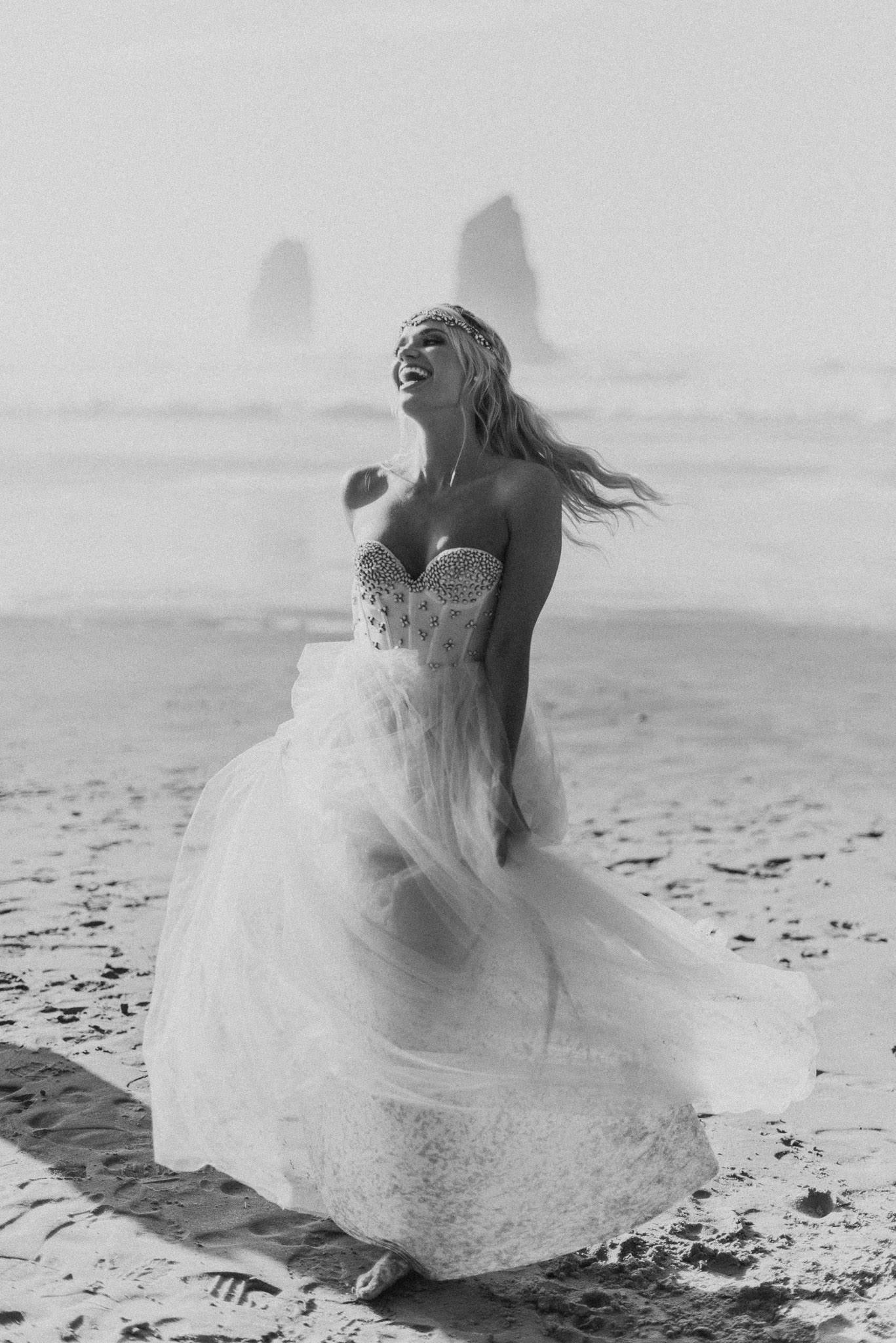 Cannon-Beach-Oregon-Adventure-elopement-engagement-photographer-16