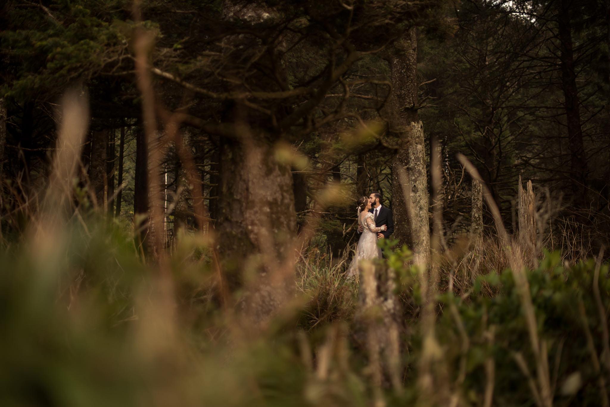 Hug-point-oregon-elopement-engagement-beach-photographer-1