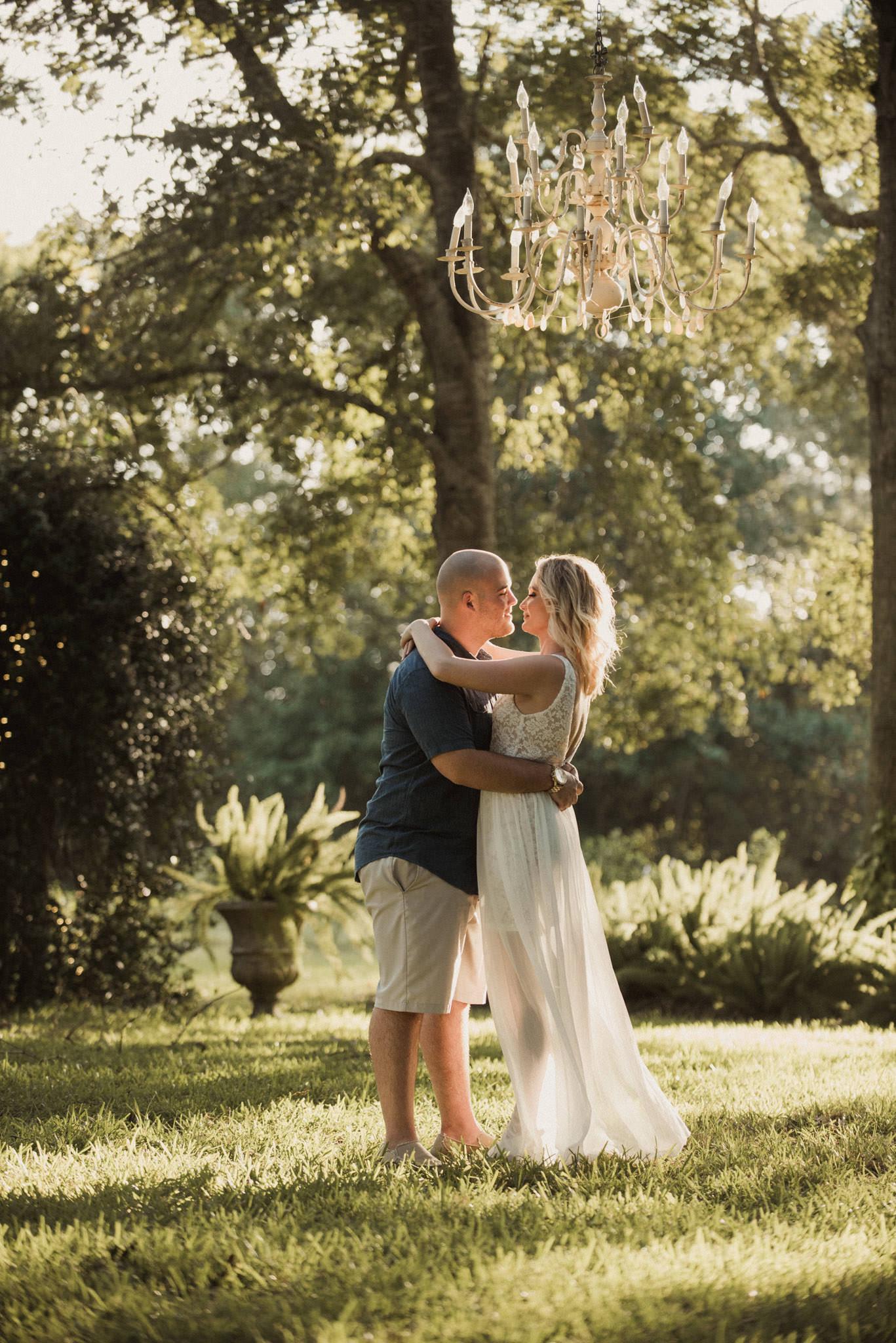 Plantation-elegance-dickinson-tx-engagement-wedding-venue-photographer-alvin