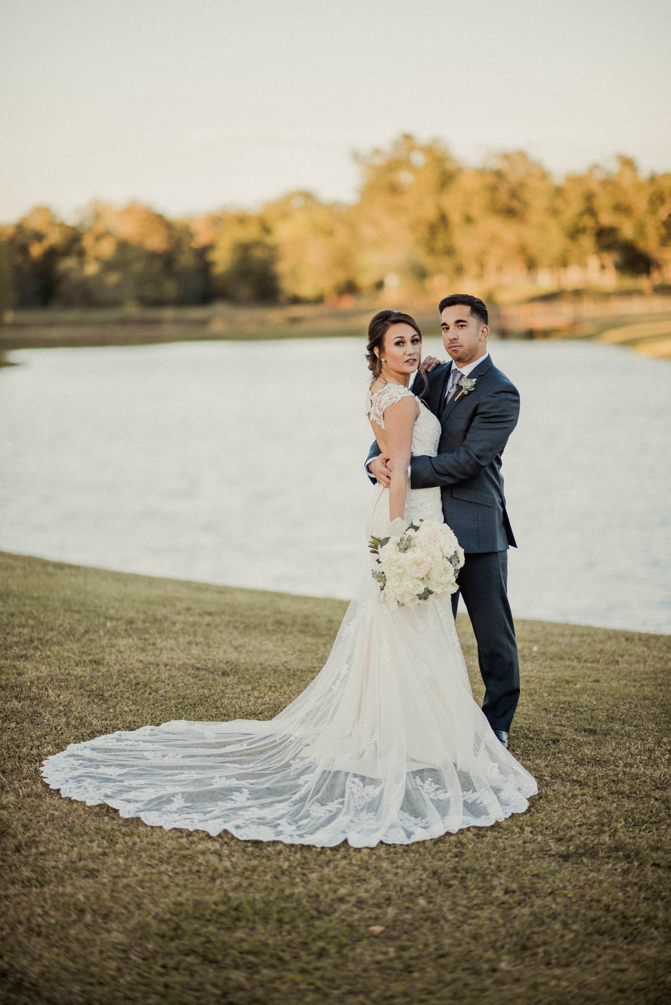 Briscoe-manor-rusitc-elegant-richmond-tx-wedding-photographer