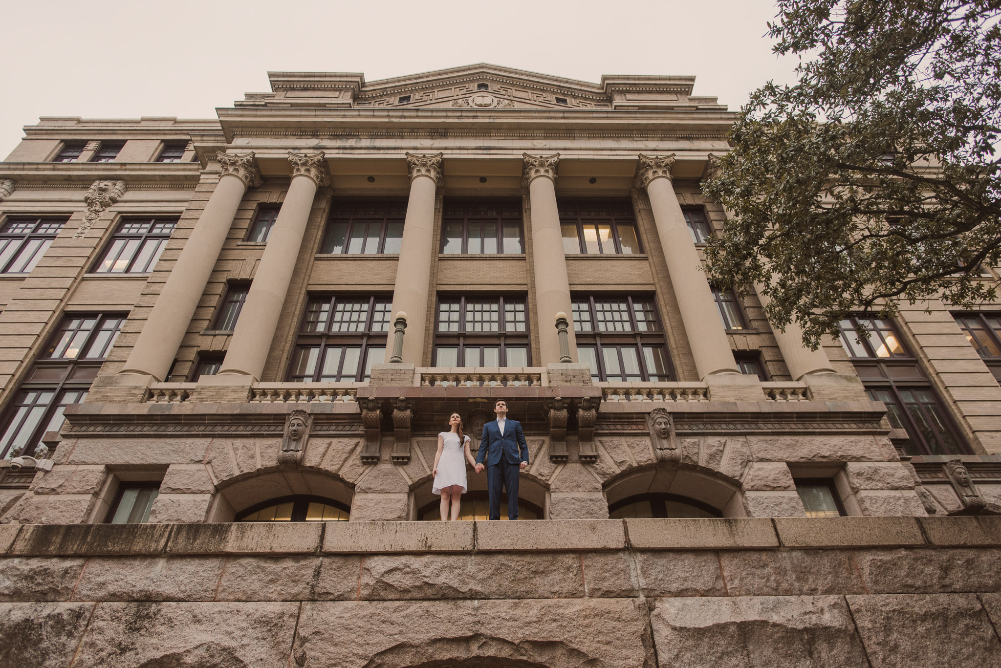 1910-historic-courthouse-houston-engagement-photographer