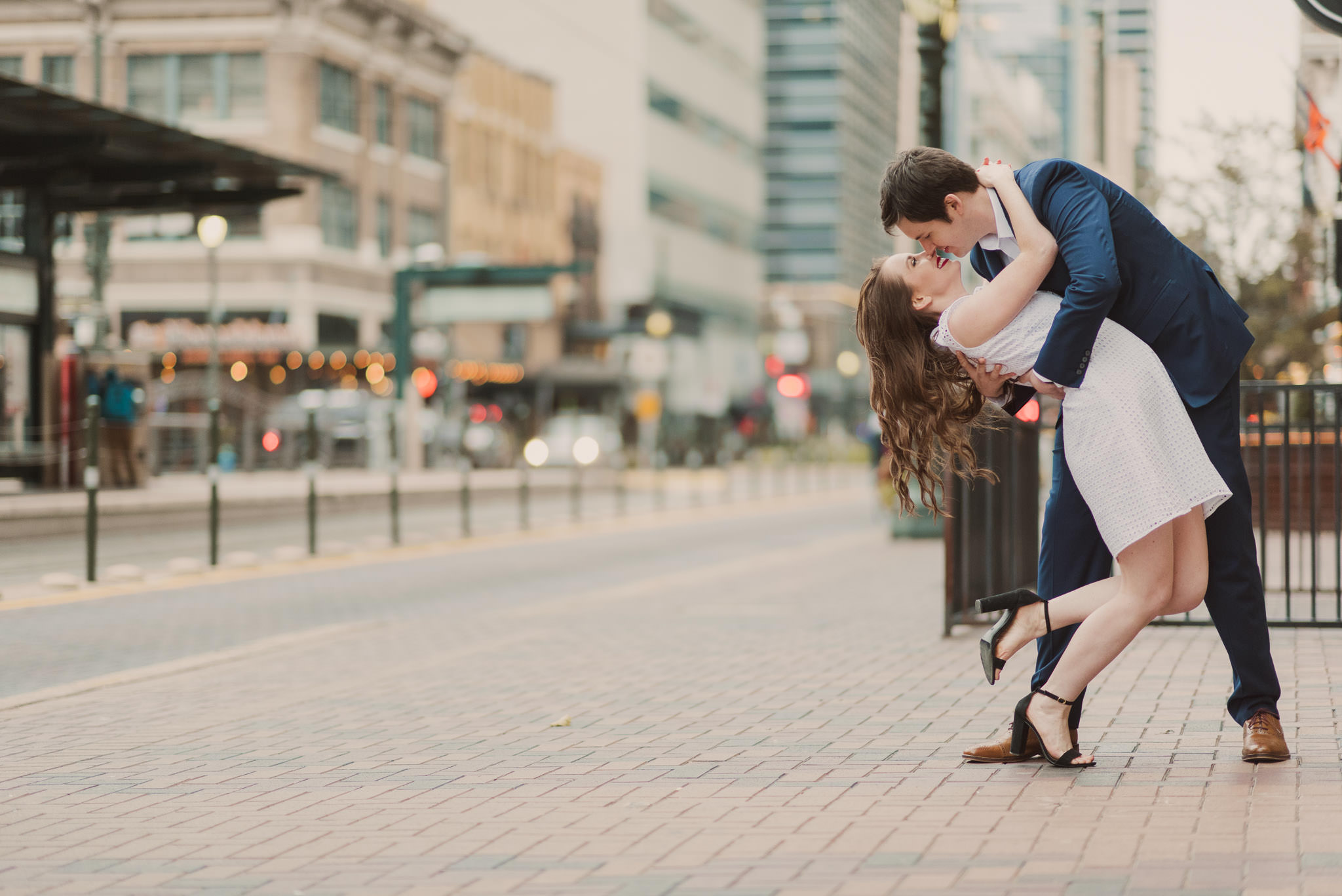 houston-urban-city-downtown-engagement-photographer-main-street