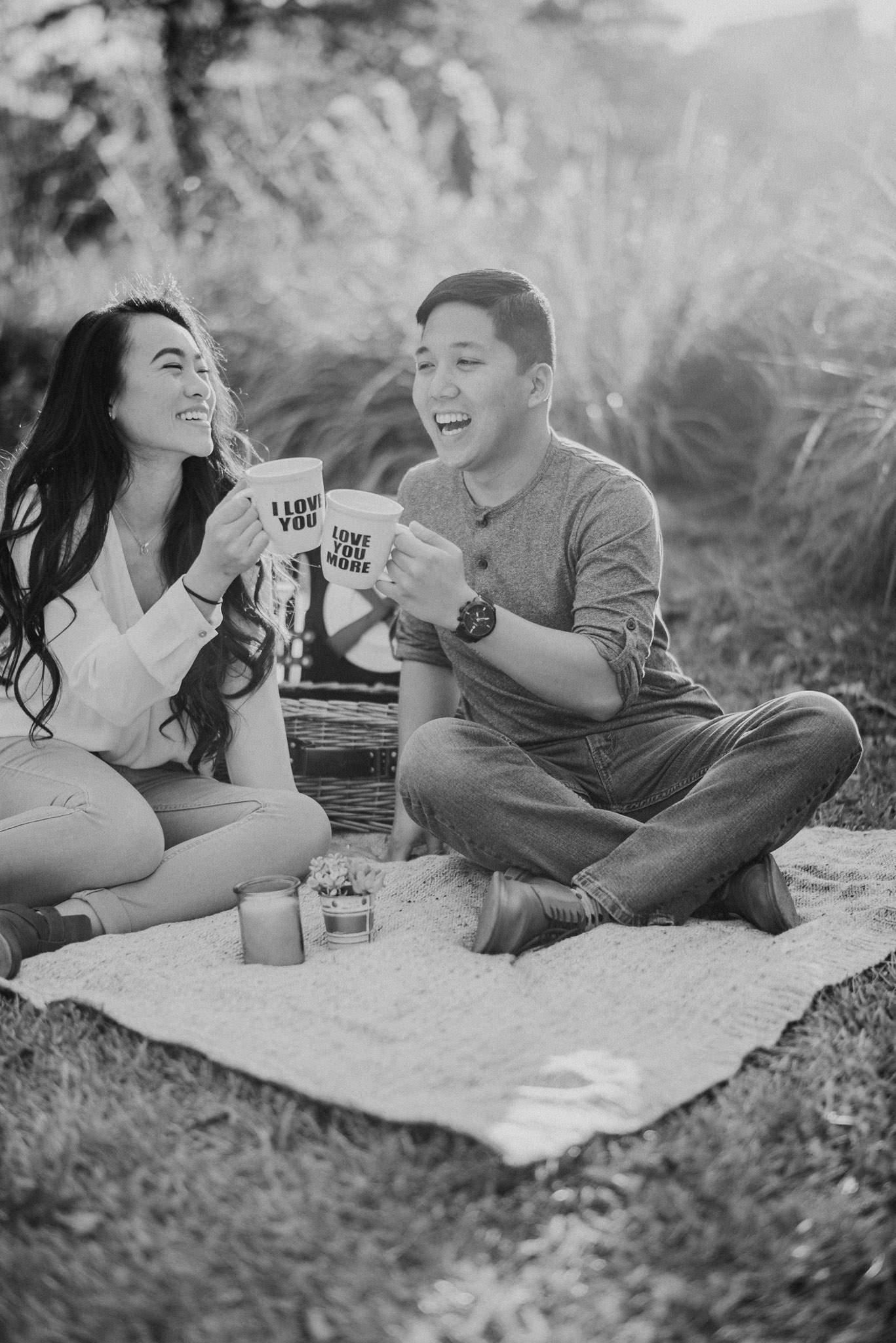 Hermann-park-houston-vietnamese-engagement-golden-hour-photographer-romantic-picnic