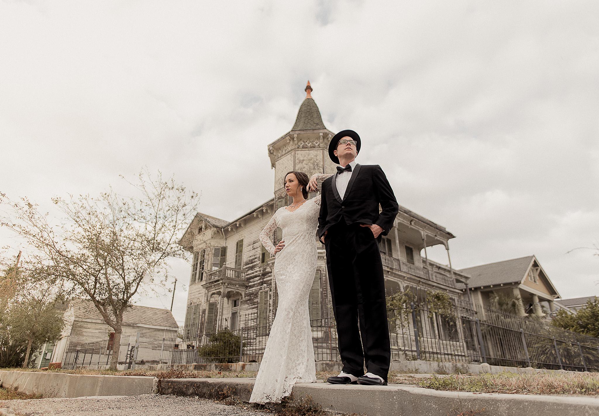 galveston-historical-vintage-1920-black-tie-wedding-photographer