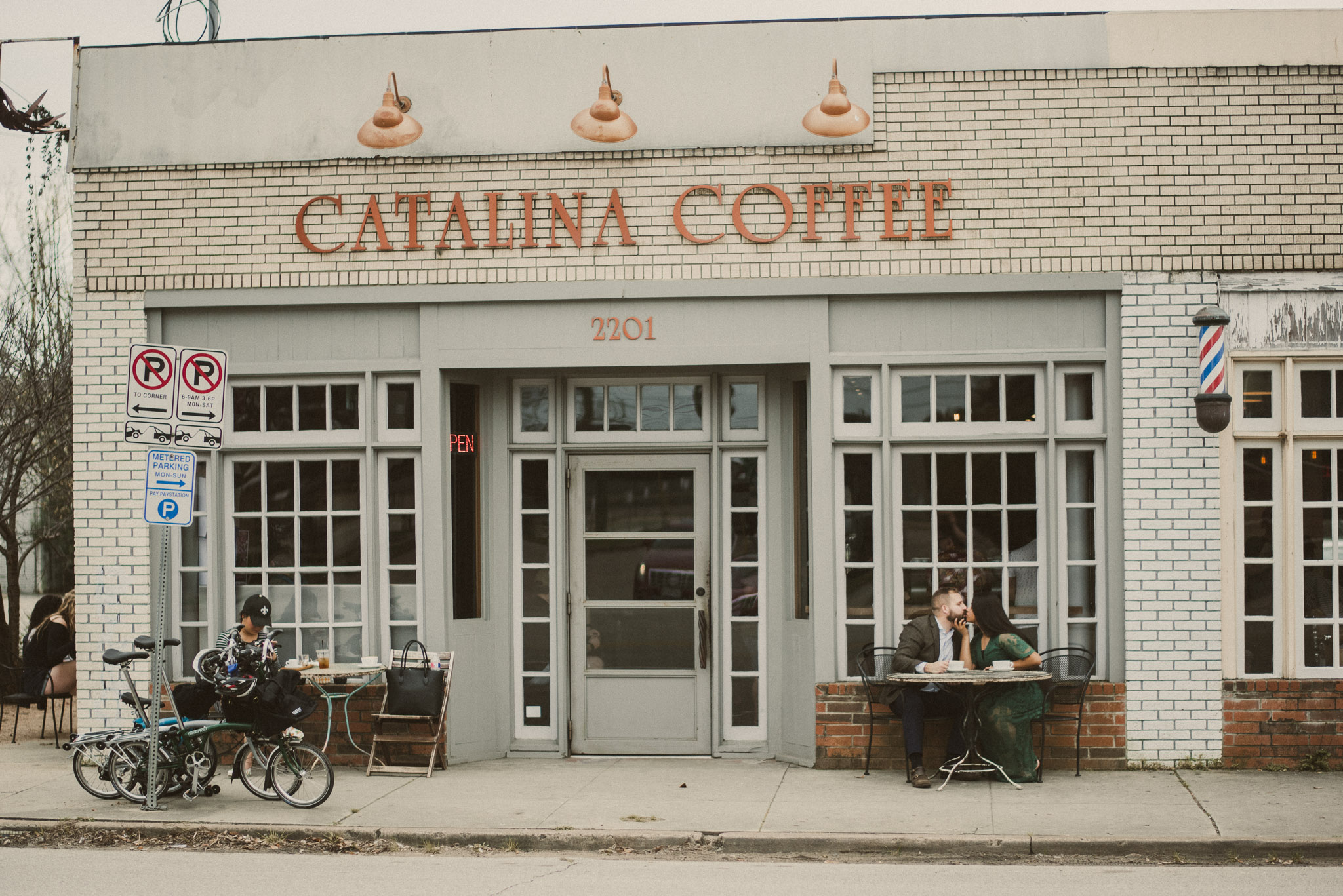catalina-coffee-houston-heights-engagement-photographer