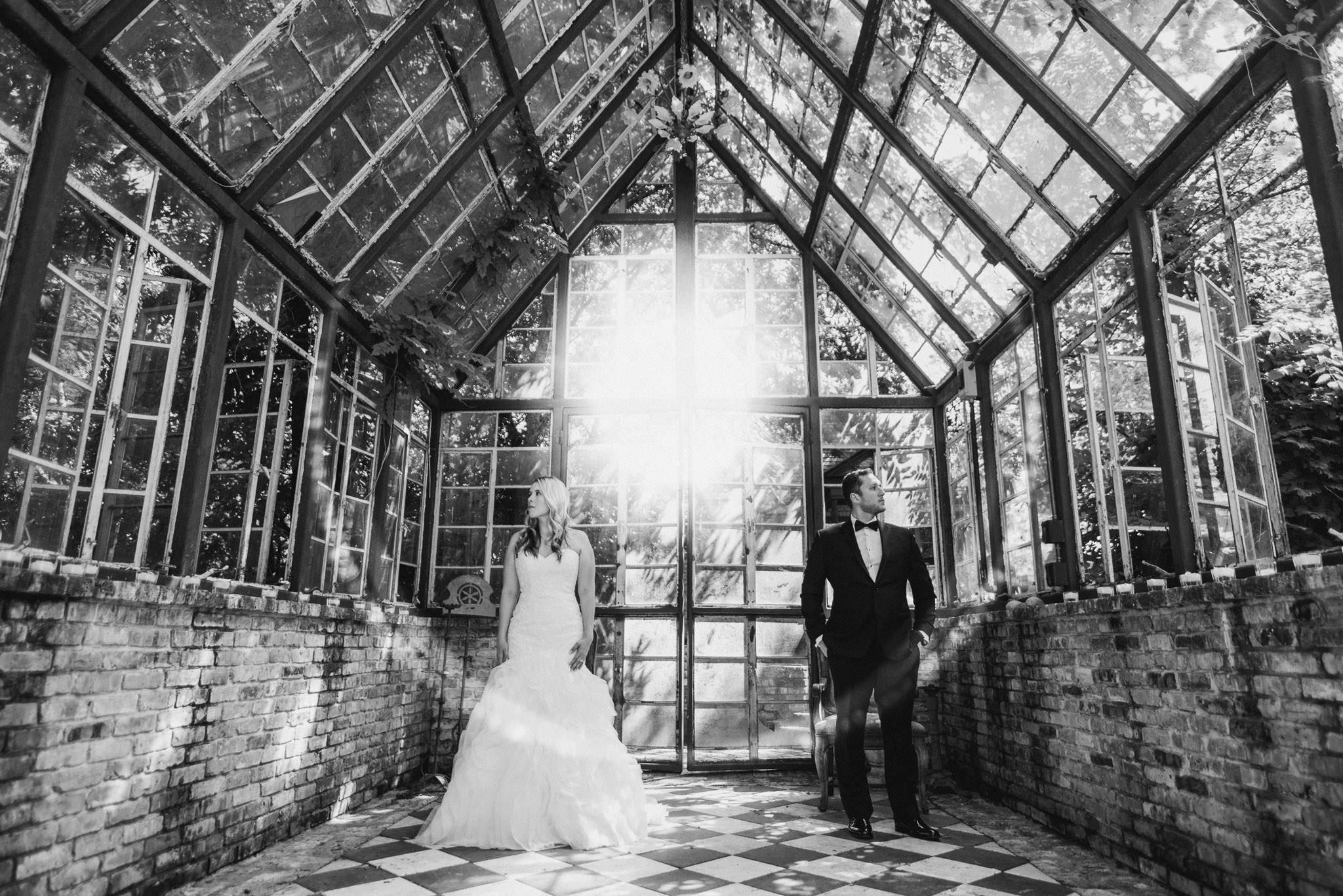 sekrit-theater-austin-wedding-engagement-photographer