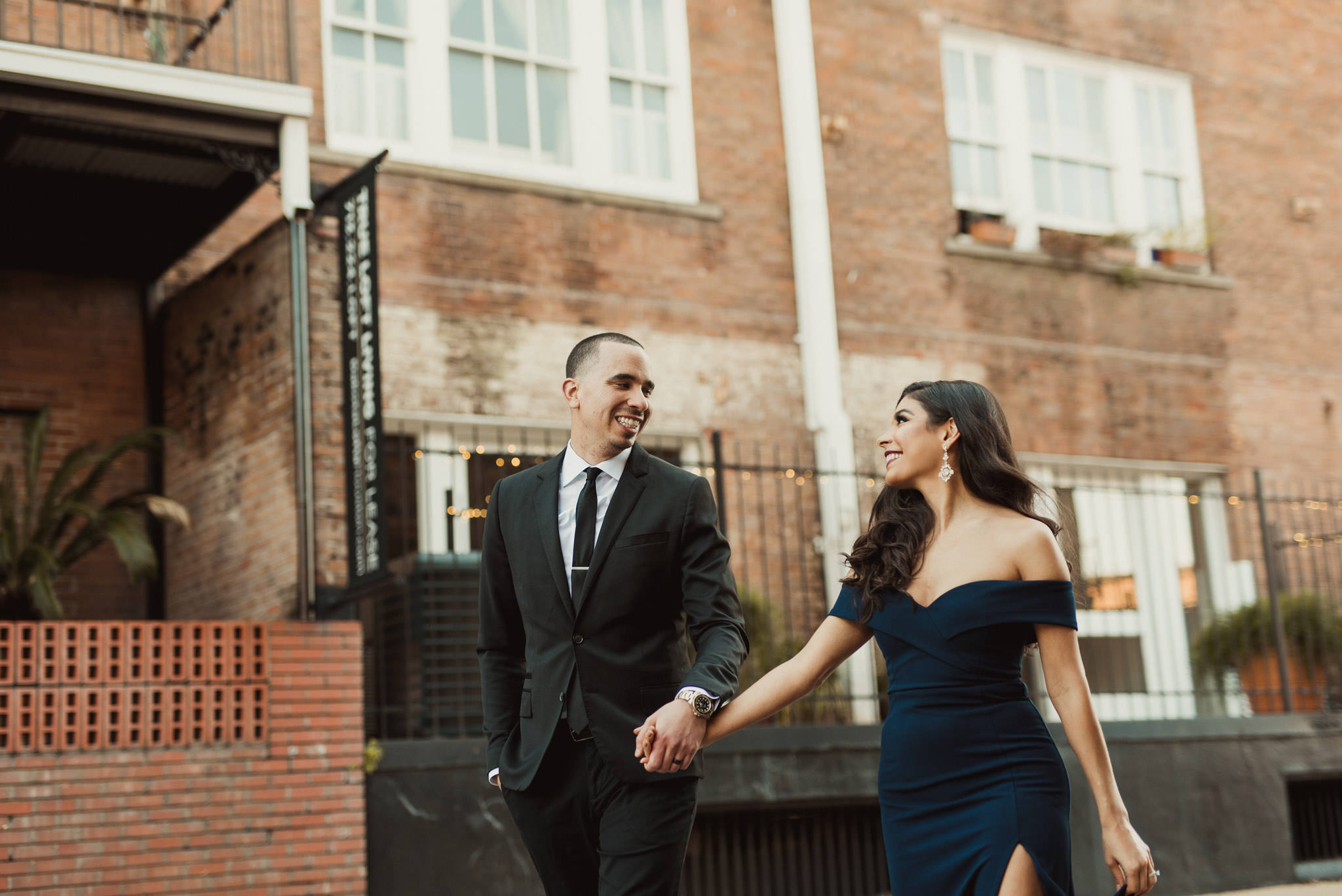 dakota-lofts-urban-wedding-engagement-classy-photographer-houston