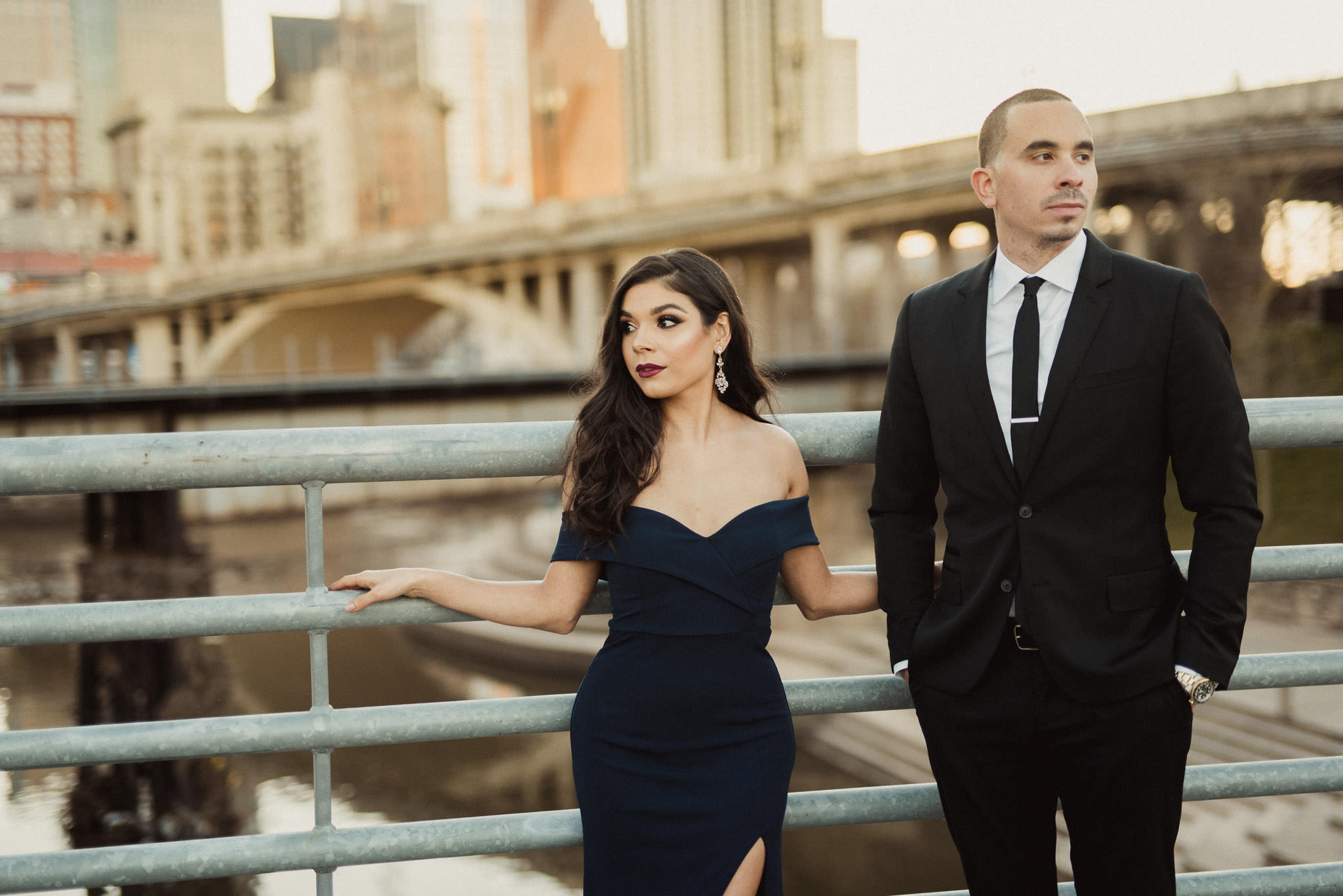 downtown-houston-urban-city-classy-engagement-photorapher