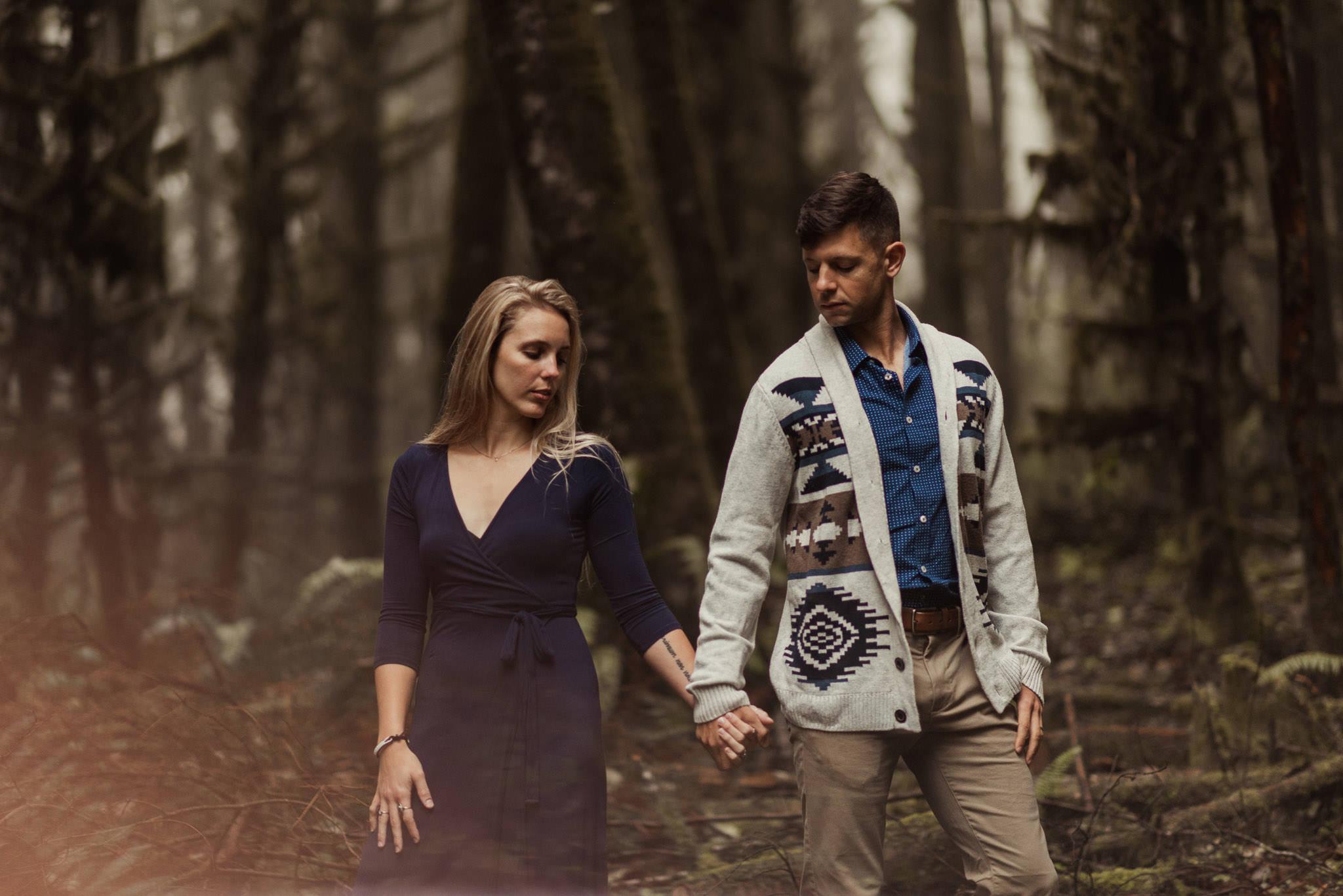 oregon-coast-woods-ecola-park-forest-adventure-engagement