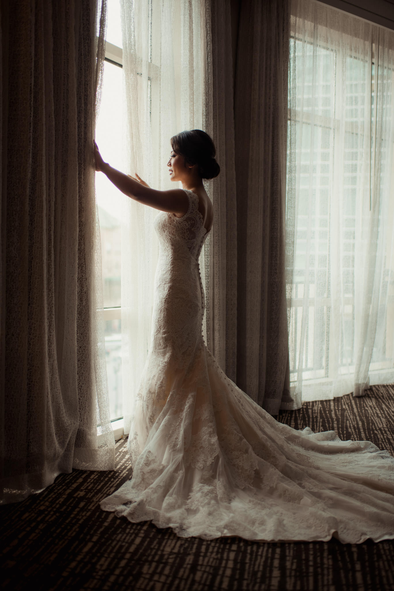 sugar-land-town-center-marriot-wedding-bridal-photographer
