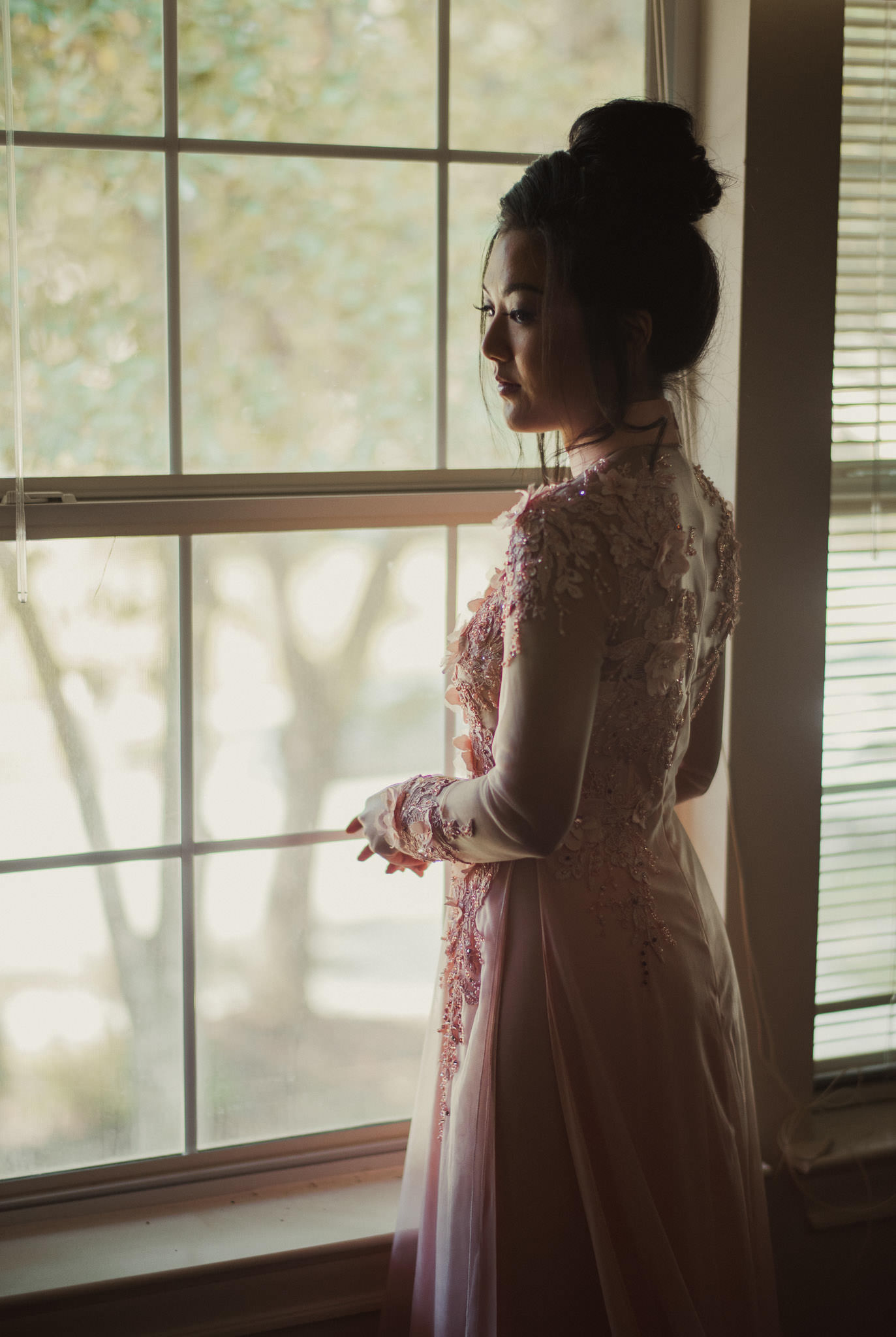 kim-michael-houston-vietnamese-tea-ceremony-engagement-downtown-boulevard-oaks-photographer-12.jpg