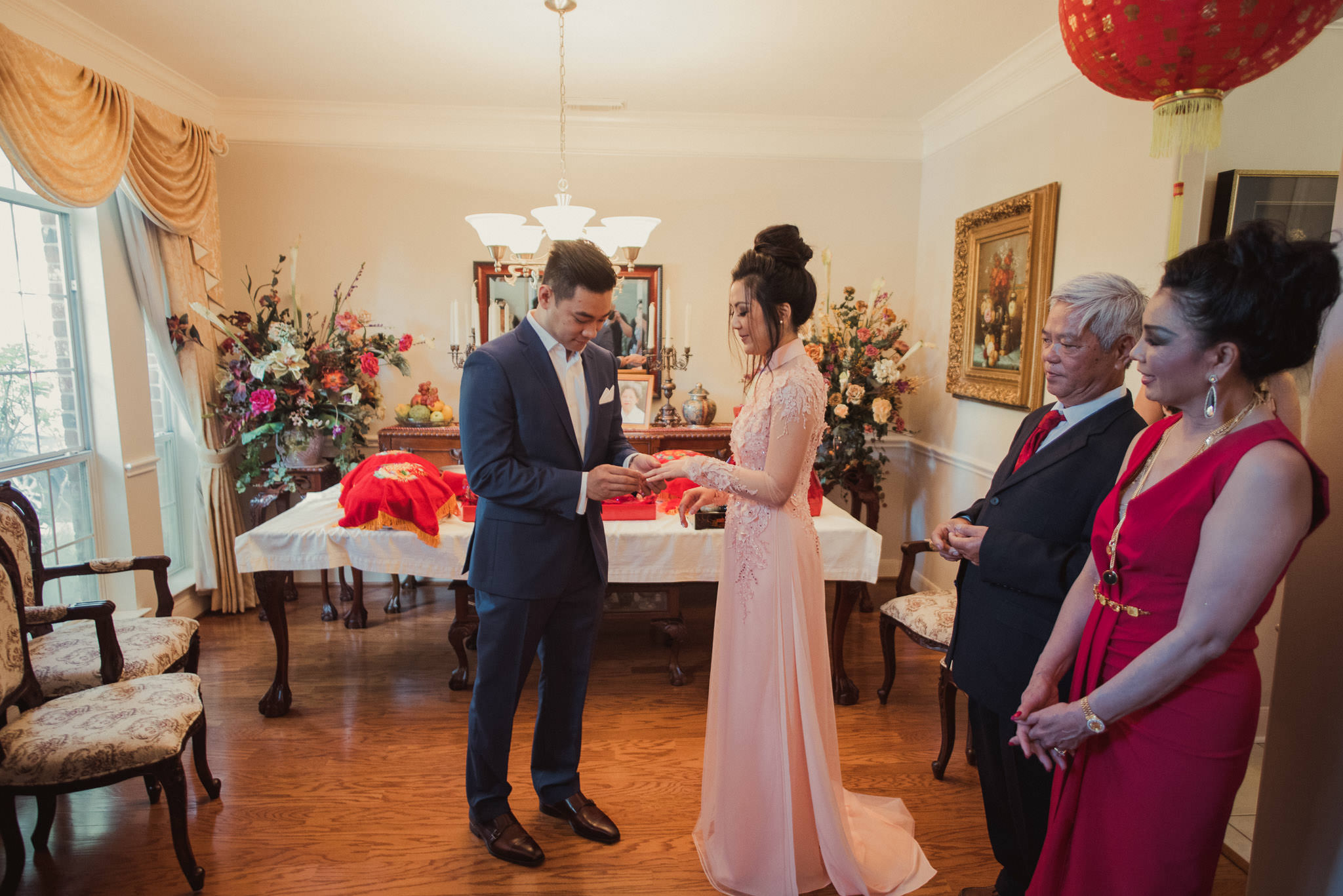 kim-michael-houston-vietnamese-tea-ceremony-engagement-downtown-boulevard-oaks-photographer-32.jpg