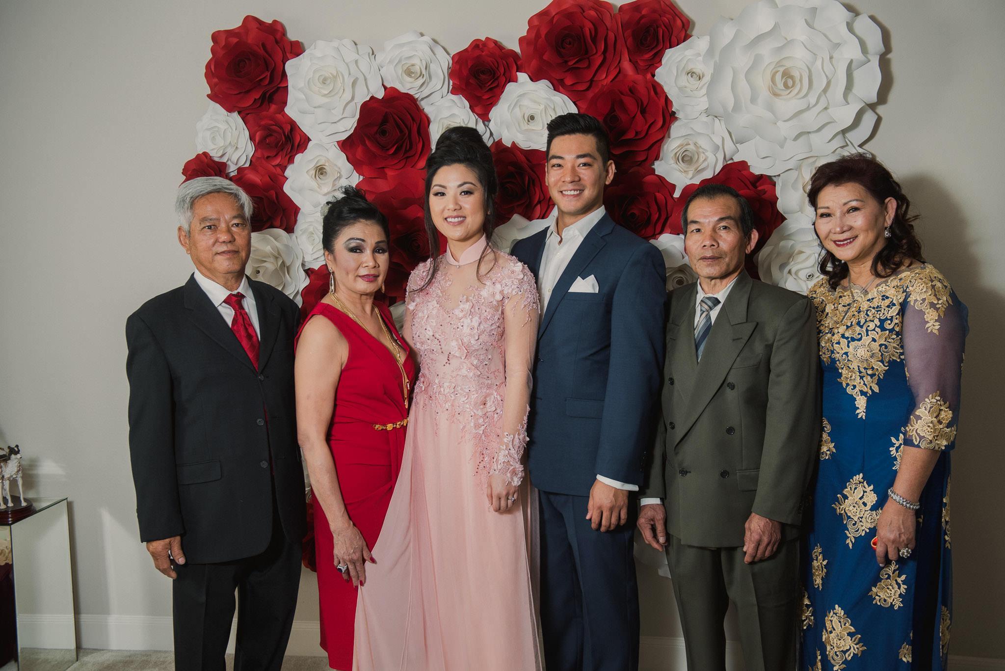 kim-michael-houston-vietnamese-tea-ceremony-engagement-downtown-boulevard-oaks-photographer-35.jpg