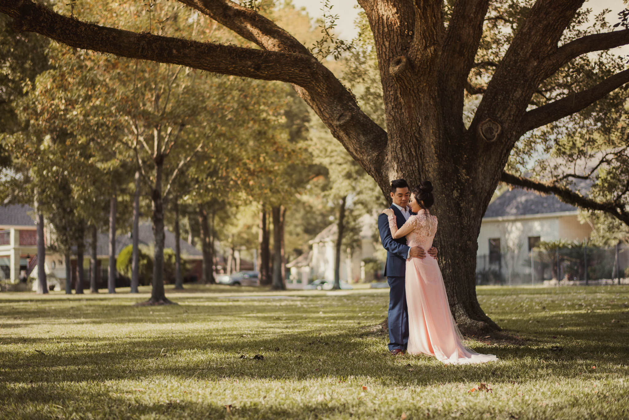 kim-michael-houston-vietnamese-tea-ceremony-engagement-downtown-boulevard-oaks-photographer-46.jpg