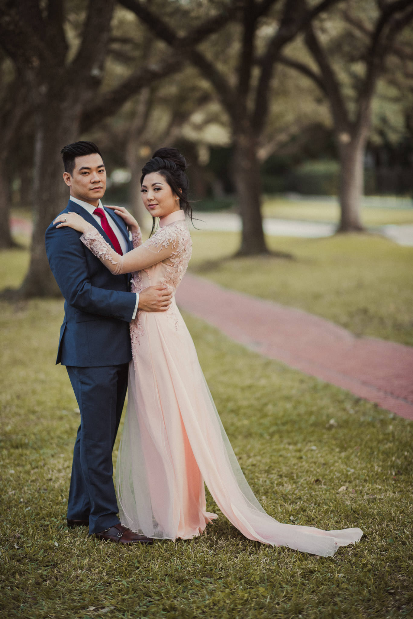 kim-michael-houston-vietnamese-tea-ceremony-engagement-downtown-boulevard-oaks-photographer-55.jpg