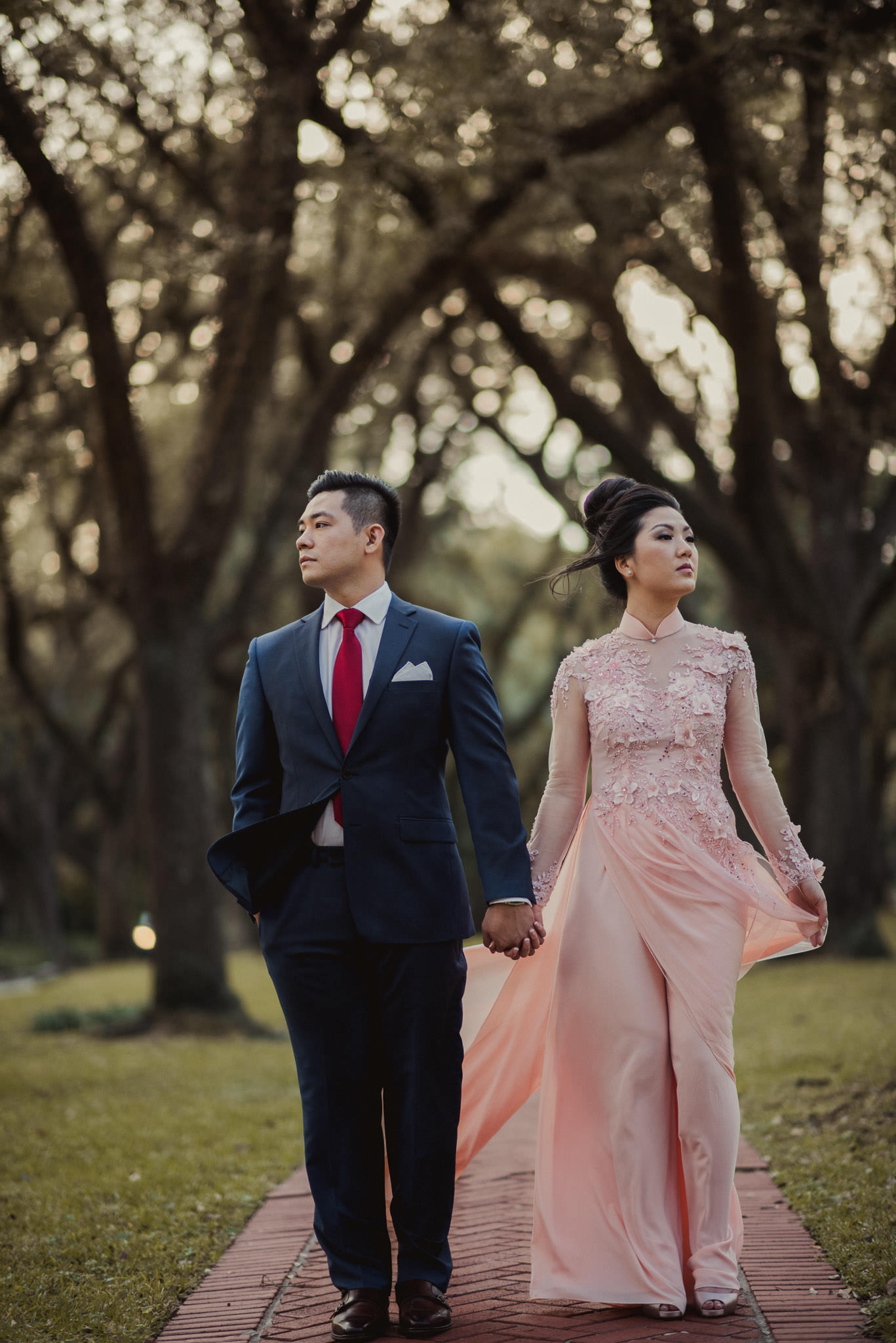 kim-michael-houston-vietnamese-tea-ceremony-engagement-downtown-boulevard-oaks-photographer-59.jpg
