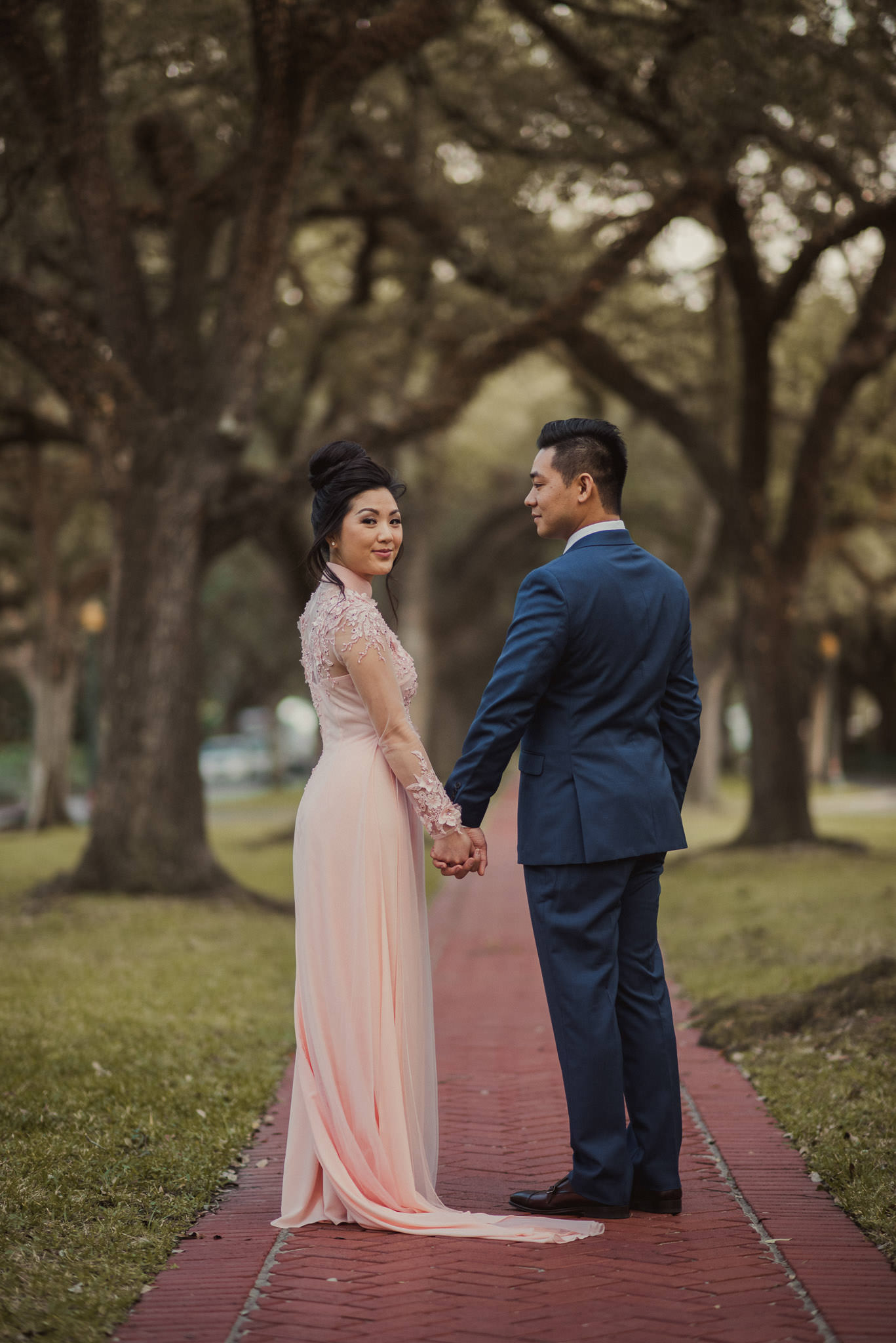 kim-michael-houston-vietnamese-tea-ceremony-engagement-downtown-boulevard-oaks-photographer-60.jpg