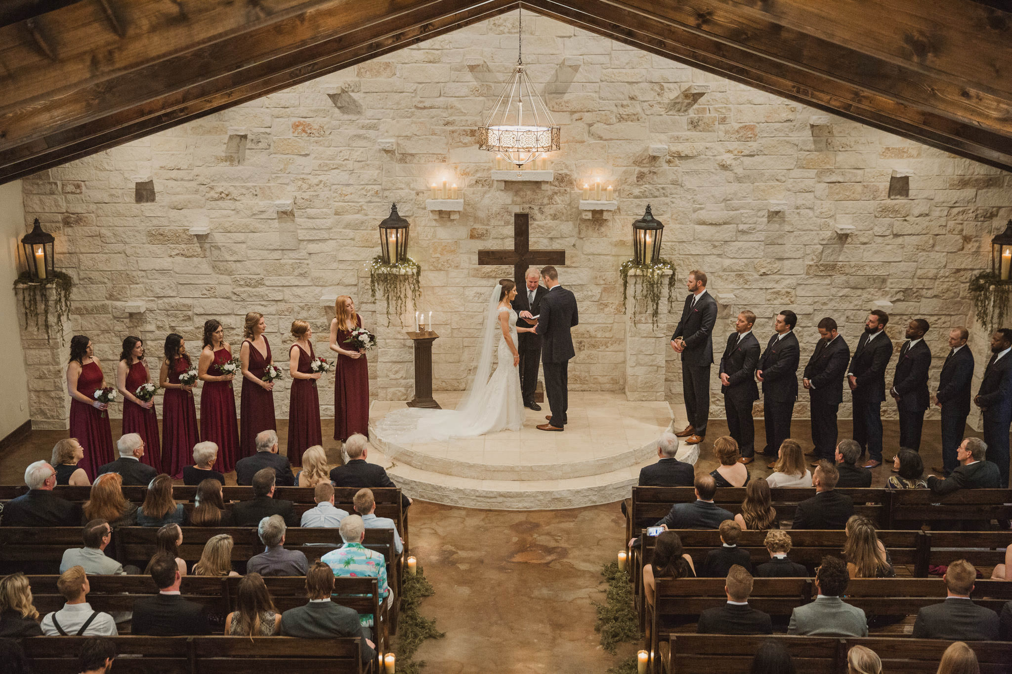 magnolia-bells-rustic-woodsy-houston-resort-wedding-photographer-chapel