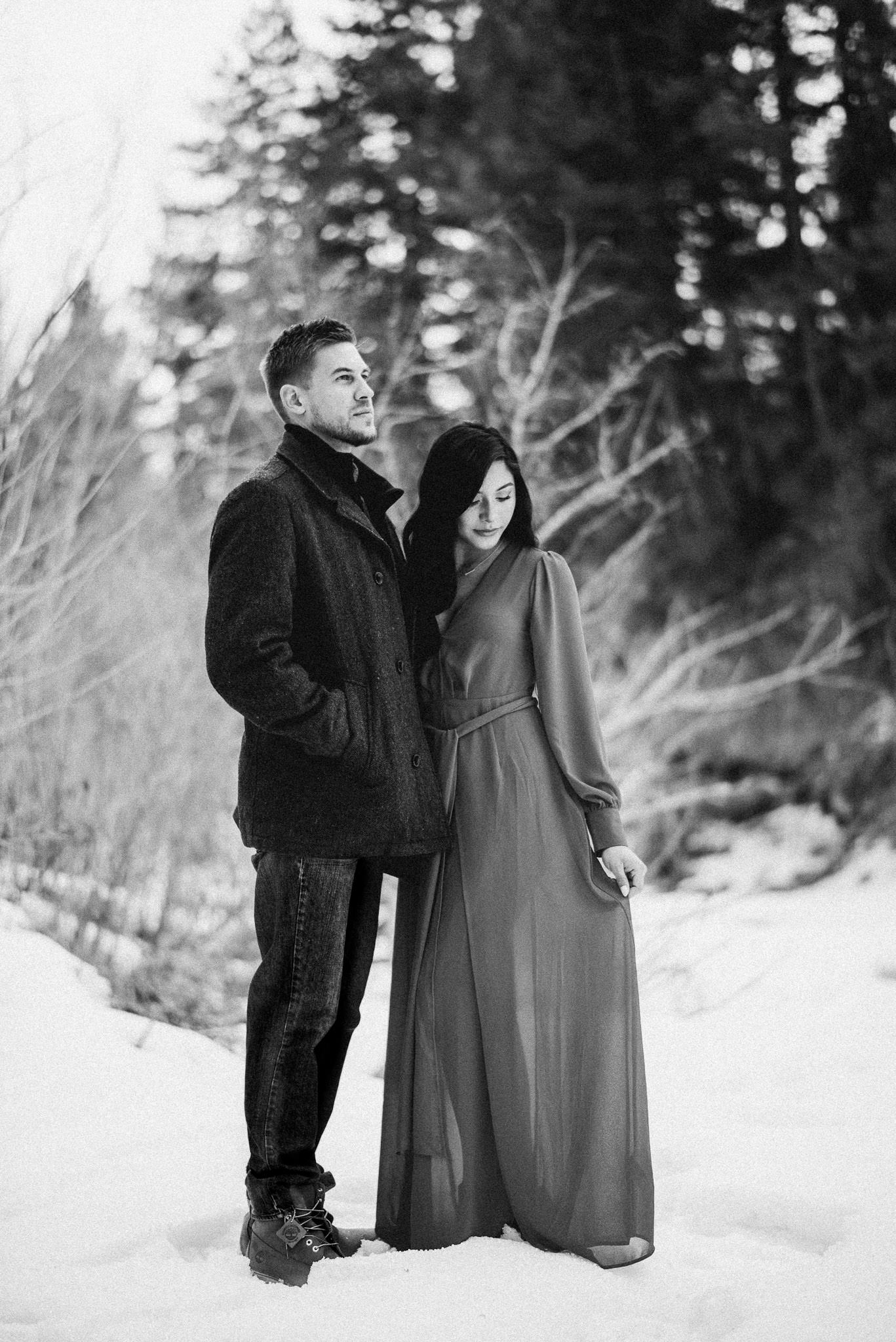 sandra-ryan-colorado-winter-snow-engagement-couples-valentines-red-houston-photographer-sm-7.jpg