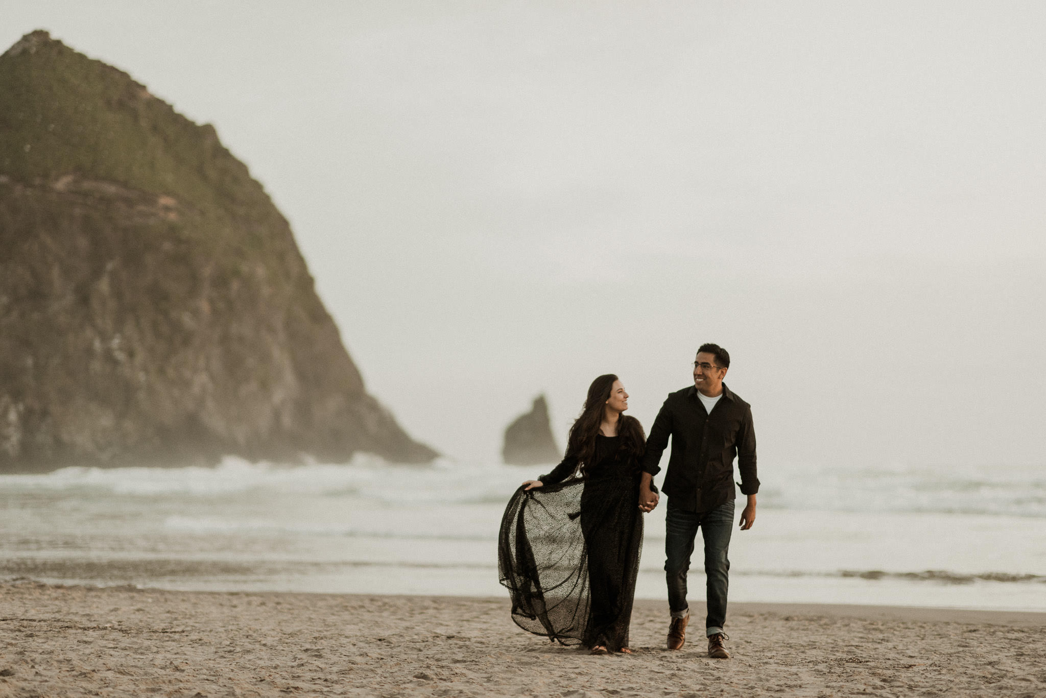 oregon-cannon-beach-ecola-state-park-adventure-destination-engagement-houston-photographer-haystack-rock